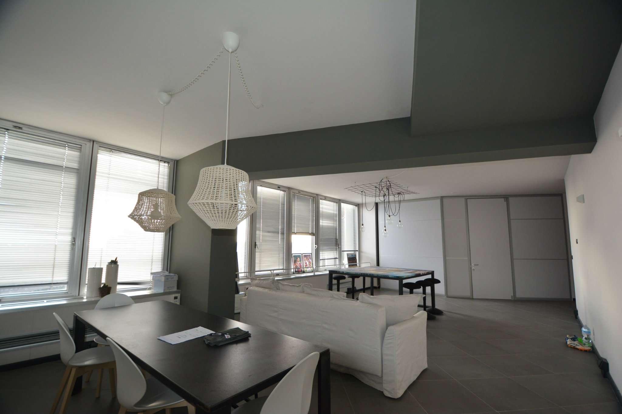 Centralissimo Piccapietra, perfetto luminoso ufficio di mq 100 Rif. 8911817