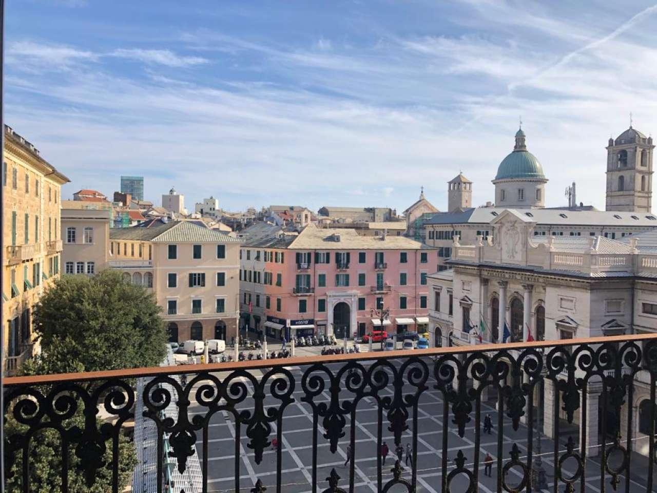 Appartamento in vendita a Savona, 9 locali, prezzo € 450.000 | PortaleAgenzieImmobiliari.it