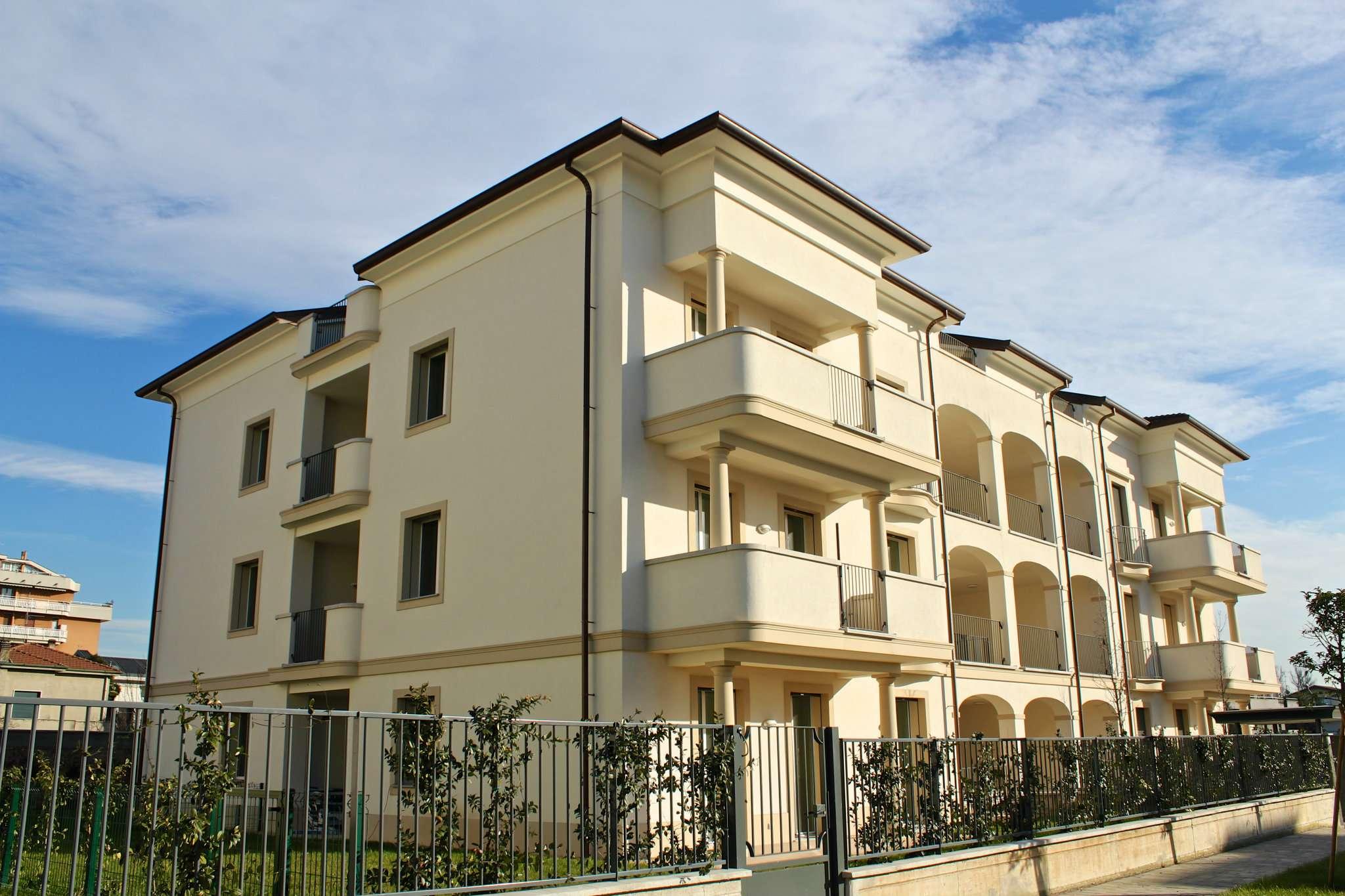 Appartamento in vendita a Biassono, 3 locali, prezzo € 300.000   PortaleAgenzieImmobiliari.it