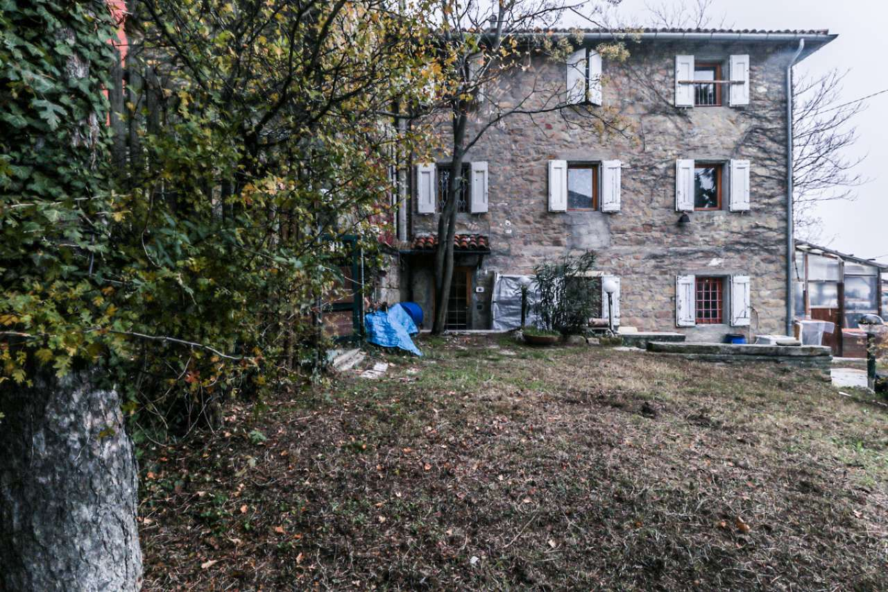 Palazzo / Stabile in vendita a Monterenzio, 5 locali, prezzo € 120.000   CambioCasa.it