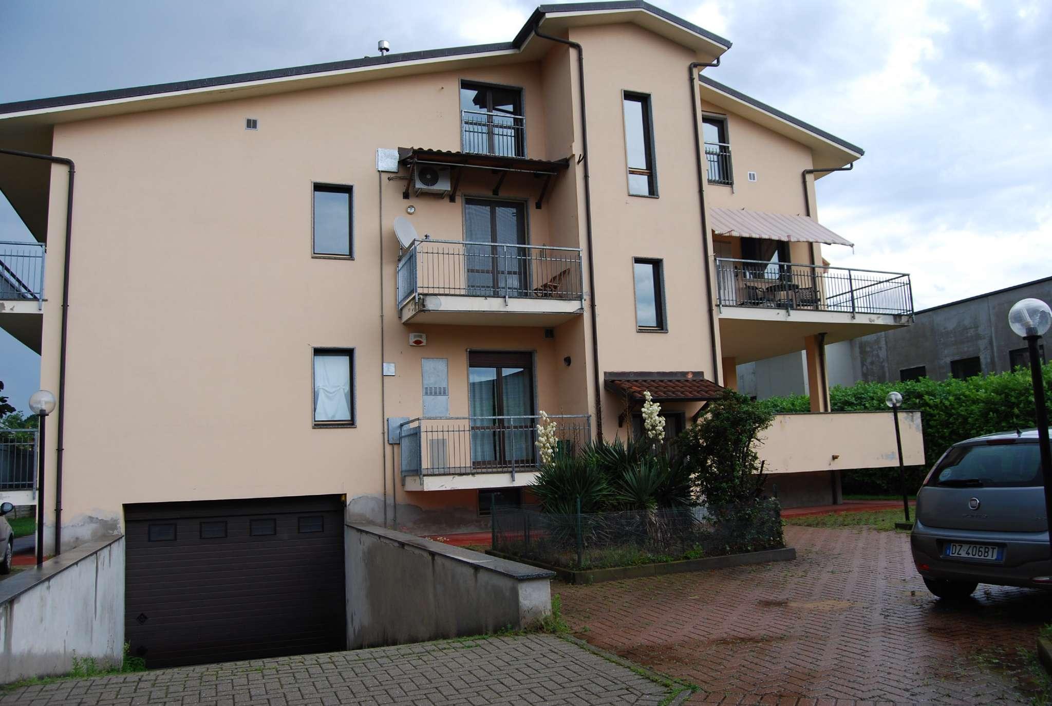 Appartamento in buone condizioni in affitto Rif. 7266180
