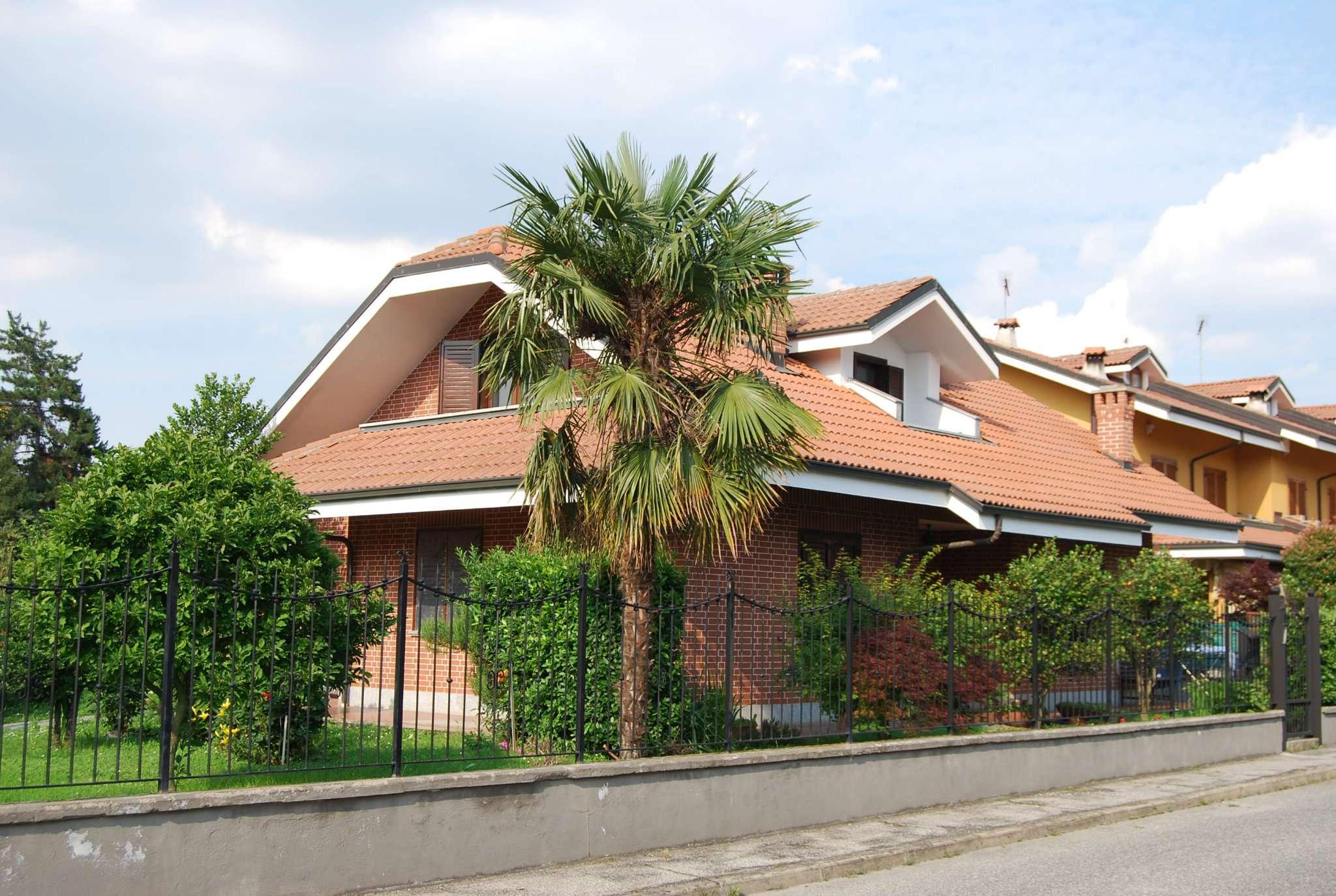 Appartamento in buone condizioni in affitto Rif. 7266181