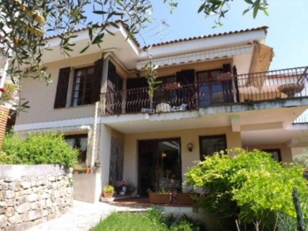 Villa in vendita a Vallebona, 6 locali, prezzo € 750.000 | PortaleAgenzieImmobiliari.it