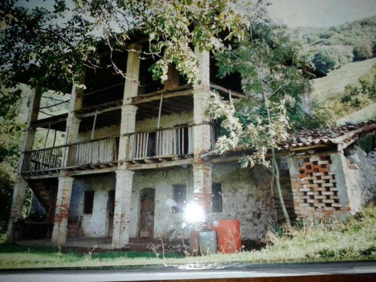Rustico / Casale in vendita a Gandino, 4 locali, prezzo € 135.000   PortaleAgenzieImmobiliari.it
