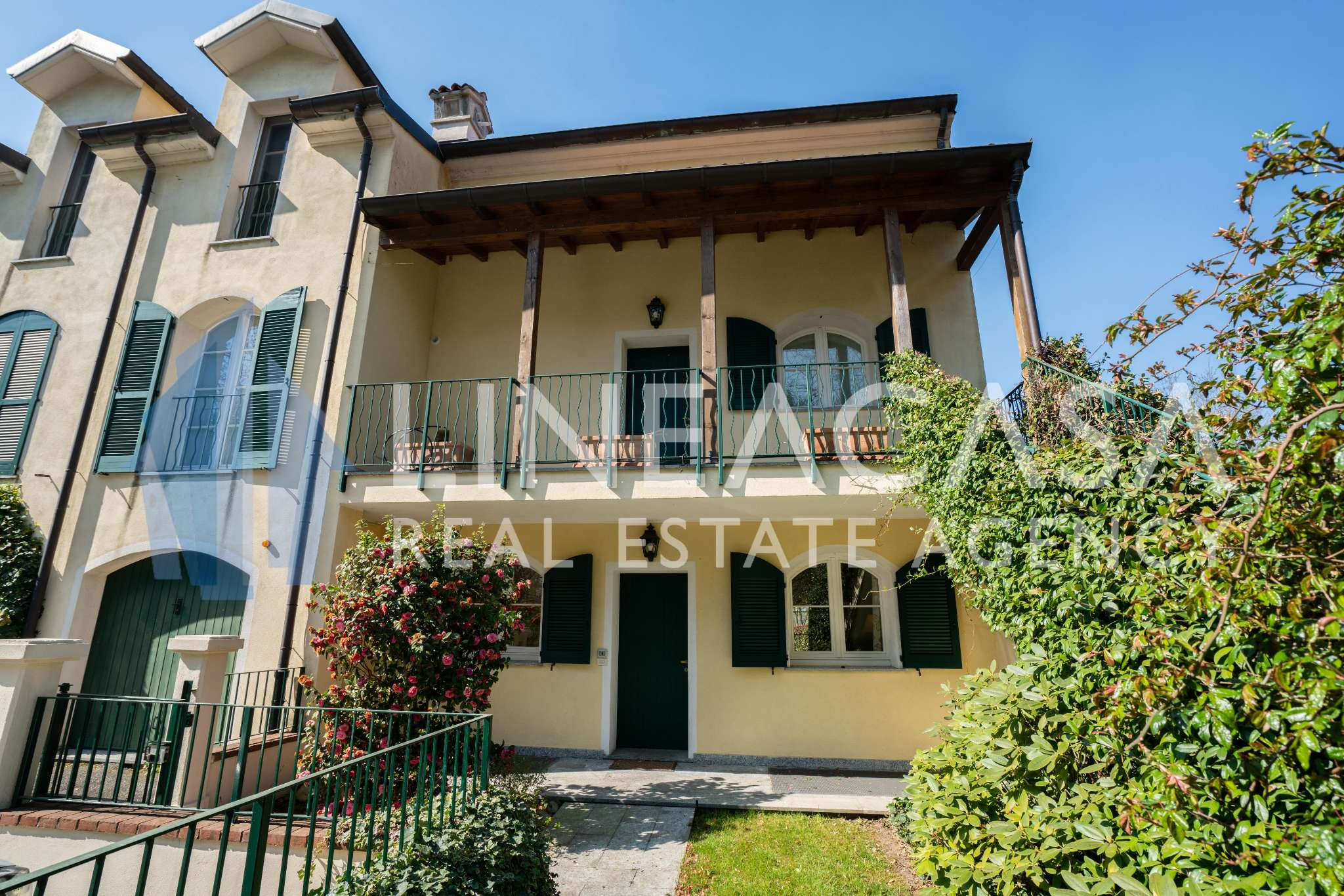 Appartamento in vendita a Bogogno, 6 locali, prezzo € 580.000 | CambioCasa.it