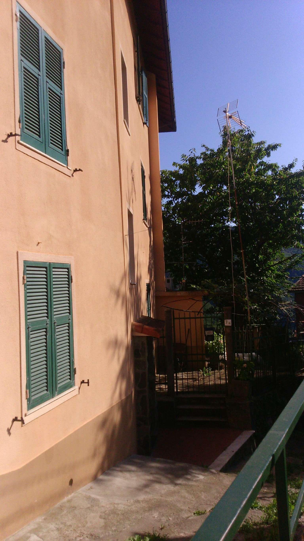 Appartamento in affitto a Bargagli, 6 locali, prezzo € 300 | CambioCasa.it
