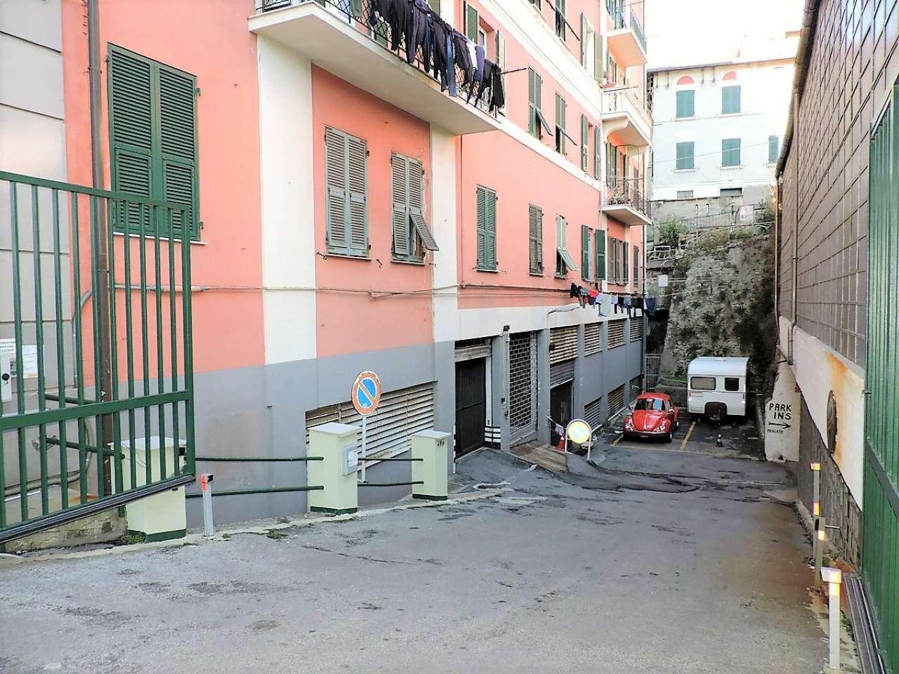 Box garage in vendita genova corso perrone for Cucina arredi genova corso perrone