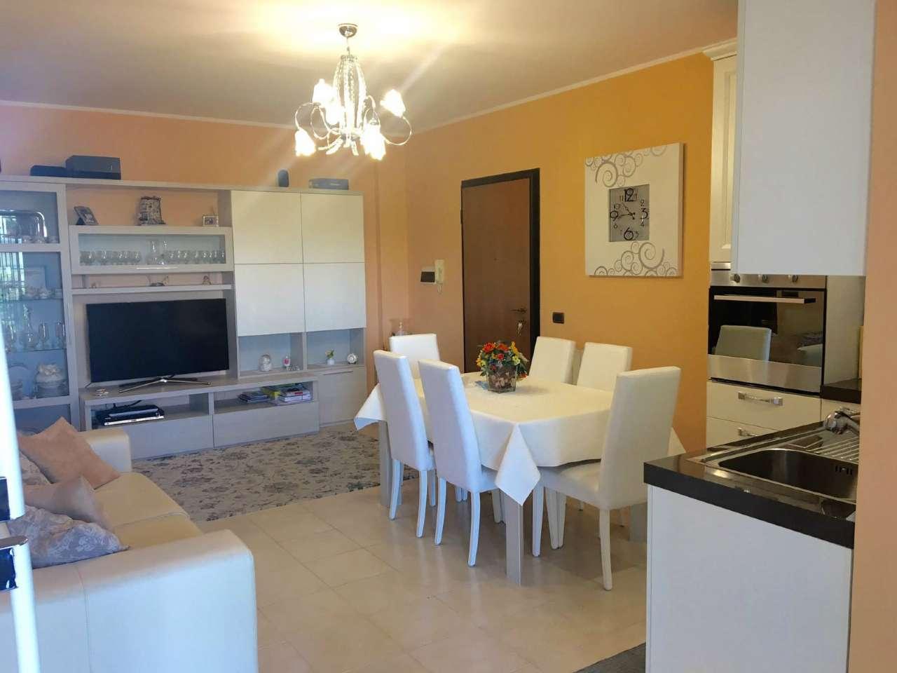 Appartamento parzialmente arredato in vendita Rif. 8848847