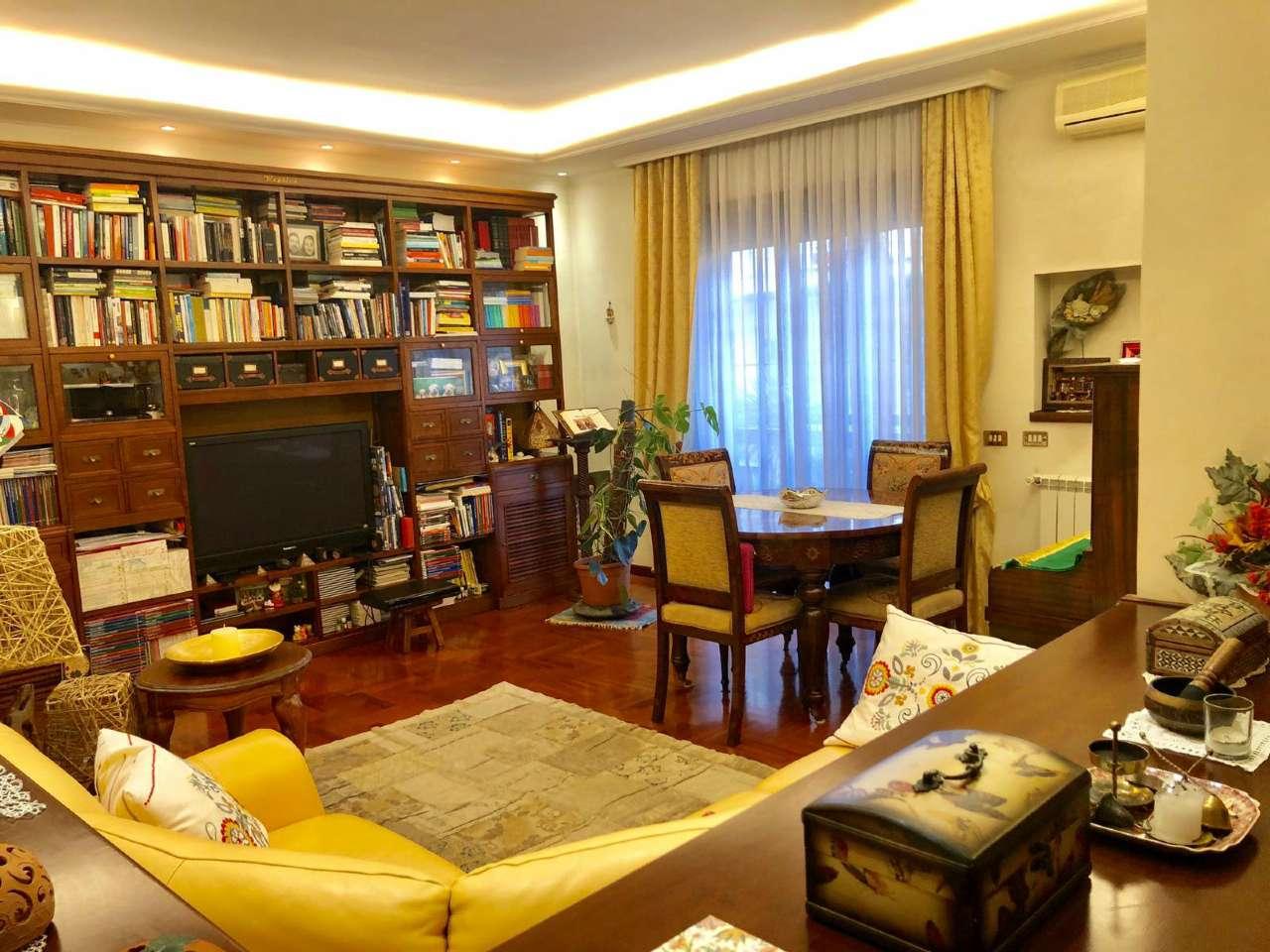 Appartamento in vendita a Roma, 3 locali, zona Zona: 37 . Morena - Ciampino - Trigoria - Falcognana, prezzo € 250.000   CambioCasa.it