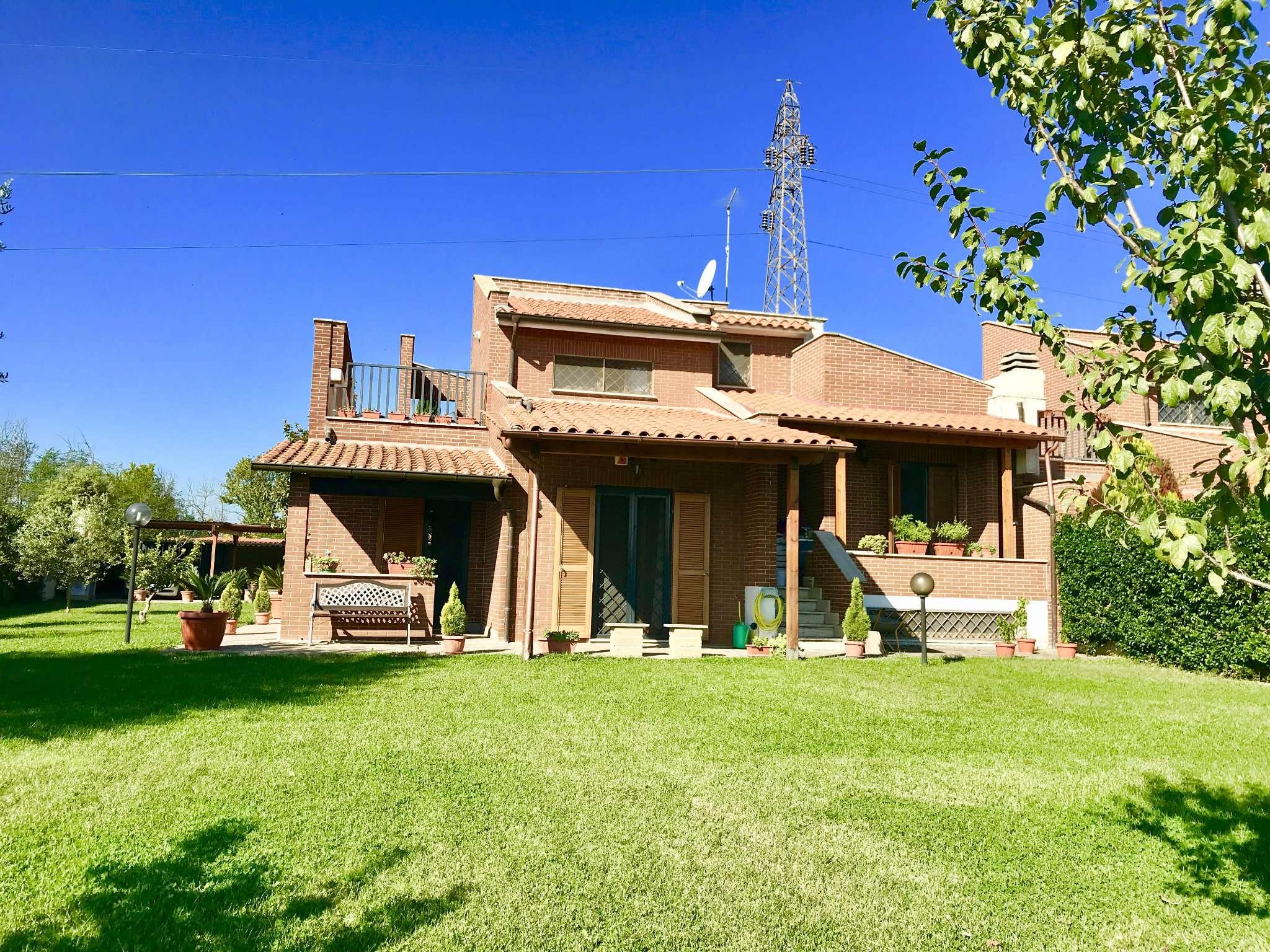 Villa in vendita a Roma, 7 locali, zona Zona: 31 . Giustiniana, Tomba di Nerone, Cassia, prezzo € 495.000 | CambioCasa.it