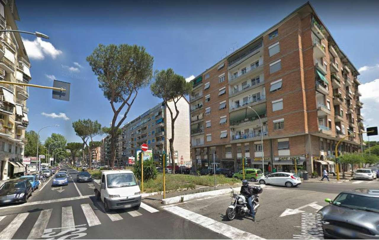 Appartamento in vendita a Roma, 4 locali, zona Zona: 16 . Appia nuova - Alberone - Colli Albani, prezzo € 339.000 | CambioCasa.it