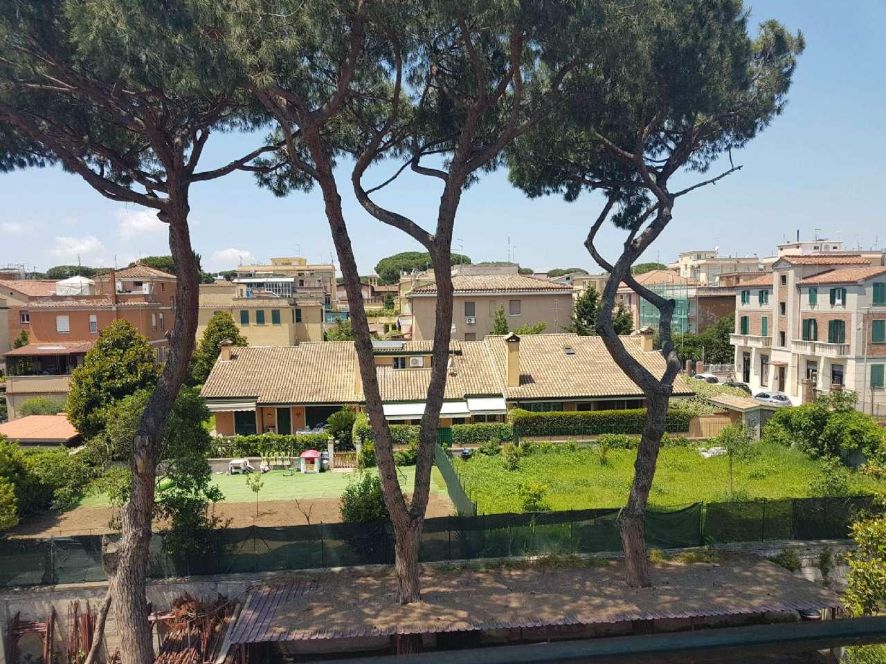 Appartamento in vendita a Roma, 3 locali, zona Zona: 16 . Appia nuova - Alberone - Colli Albani, prezzo € 220.000 | CambioCasa.it