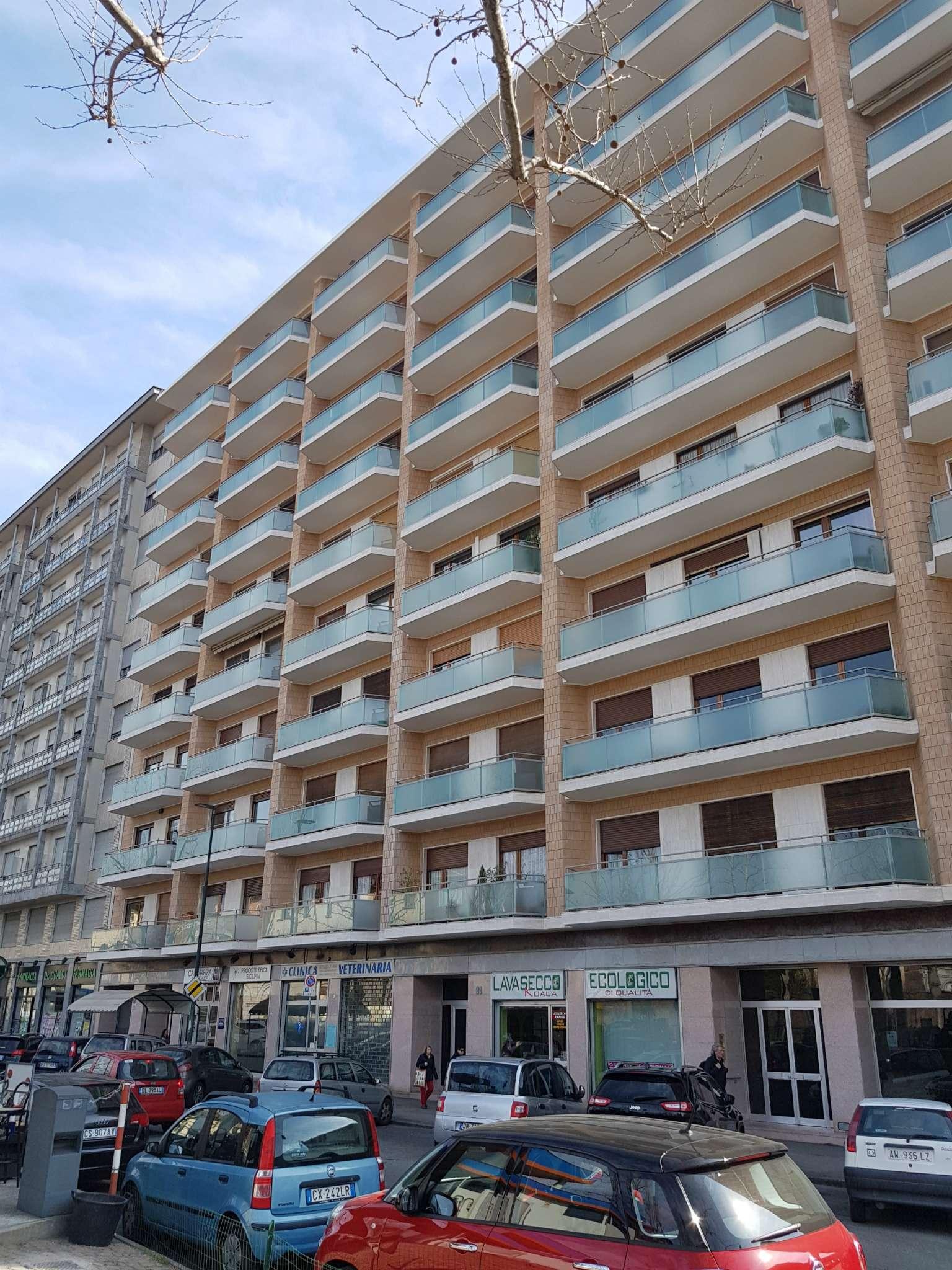 Vendita - Appartamento - Torino - Lingotto Molinette - Signorile ristrutturato- Ampio Trilocale