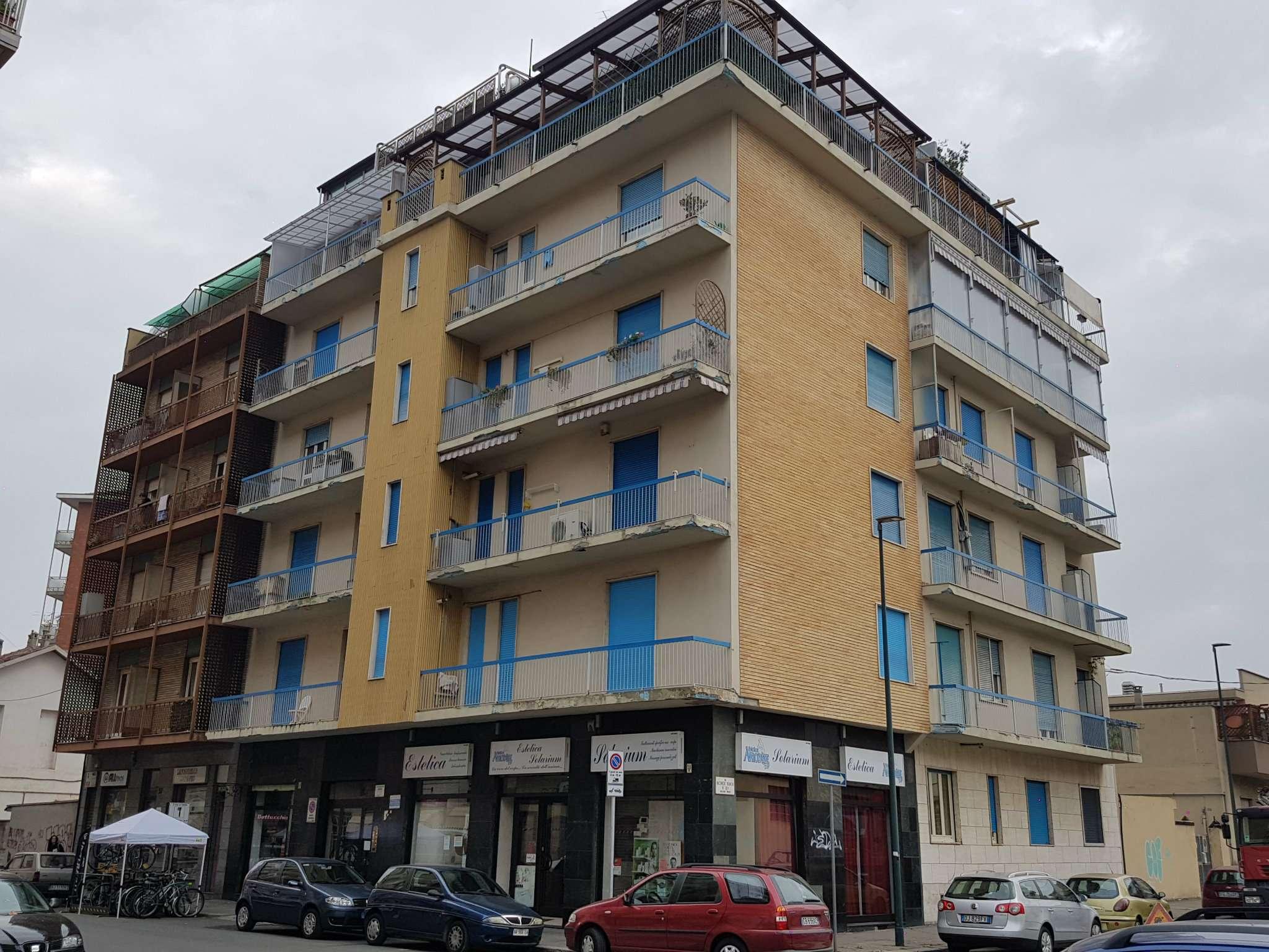 Affitto - Appartamento - Torino - BILOCALE ATTICO ARREDATO CON TERRAZZO DI 50 MQ.