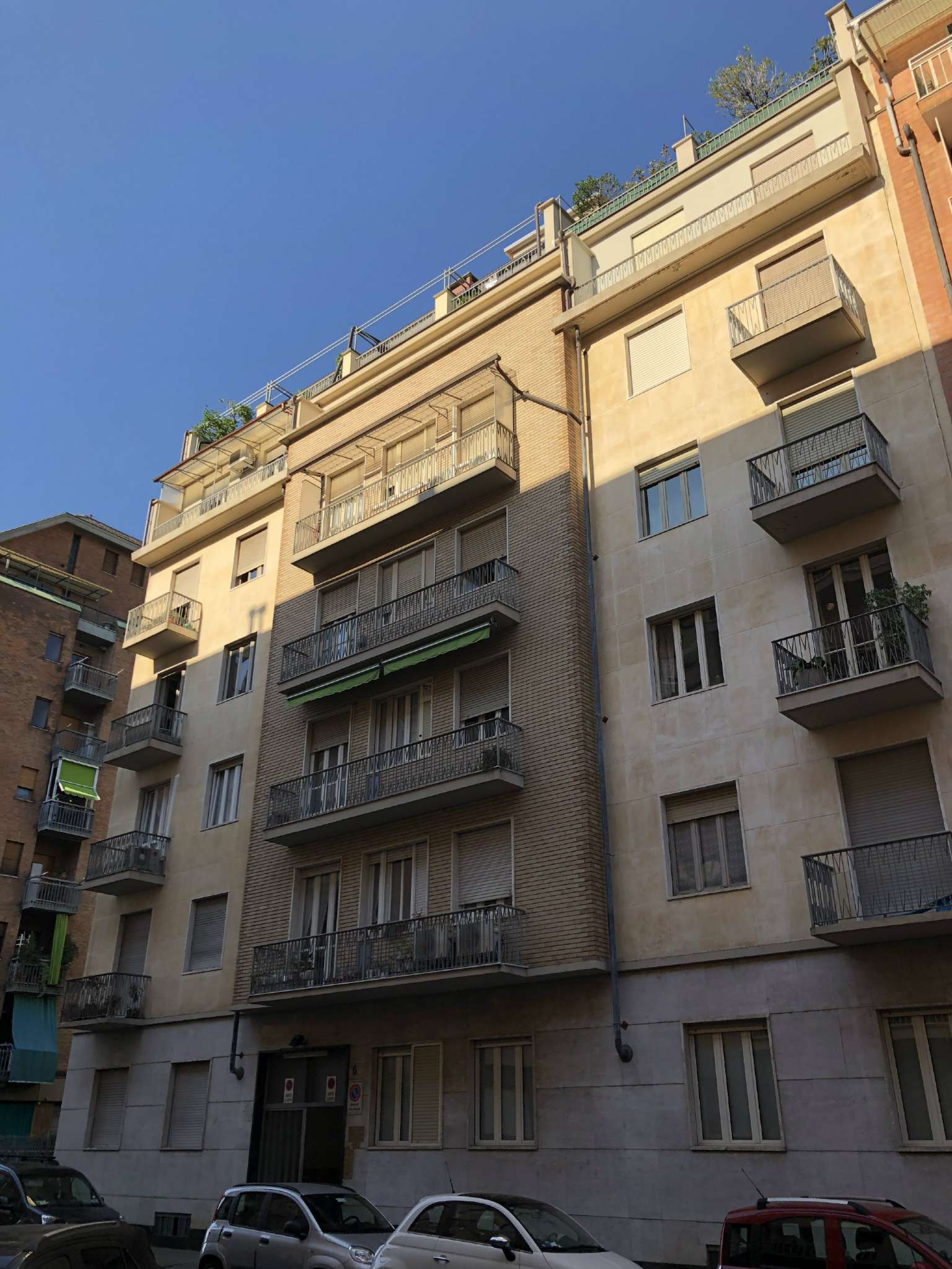 via   Avigliana 13/6 - Torino - SPAZIOSO