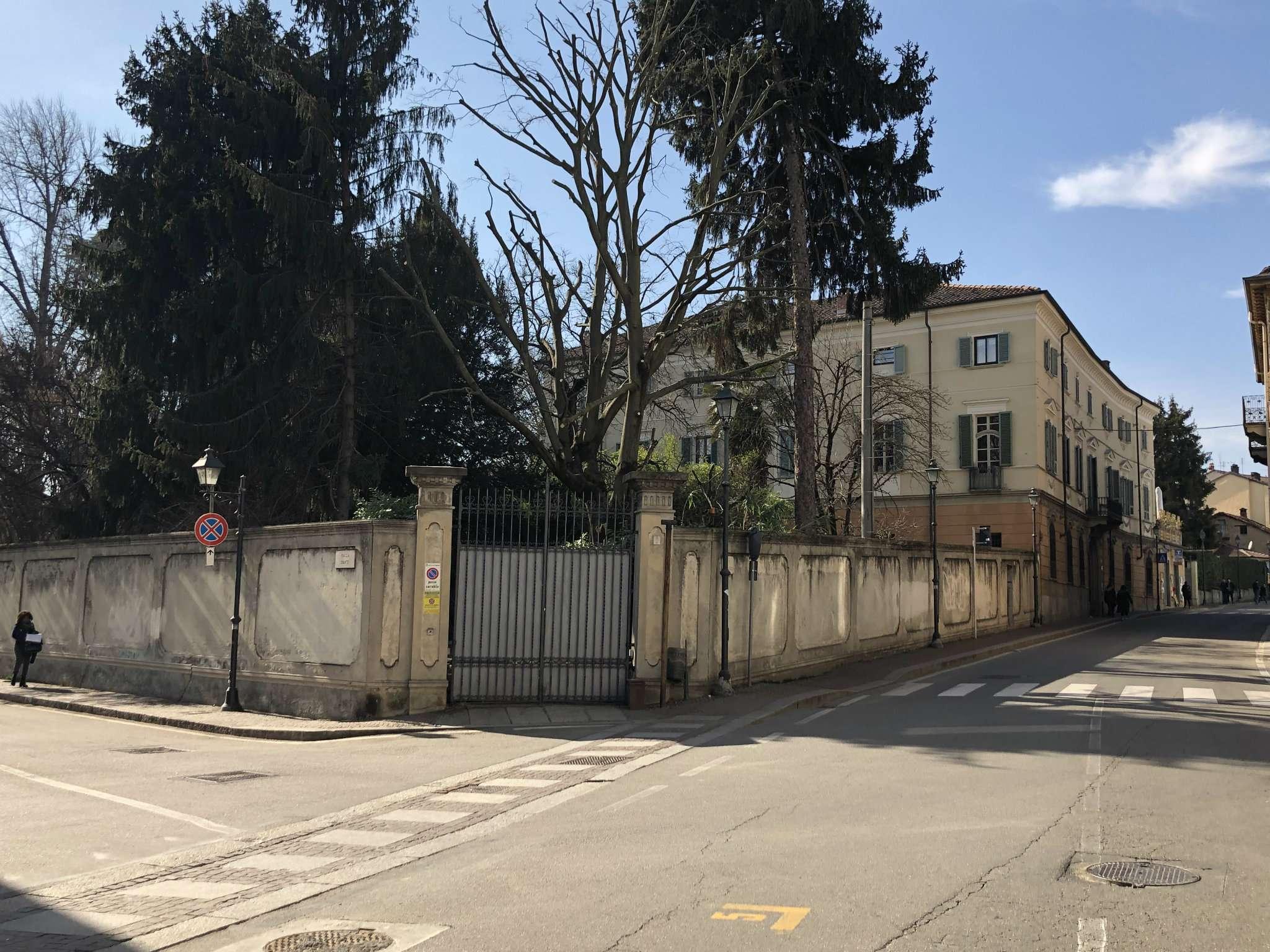 via   vittorio emanuele II 8 - Chieri - PALAZZO D'EPOCA NEL CENTRO STORICO