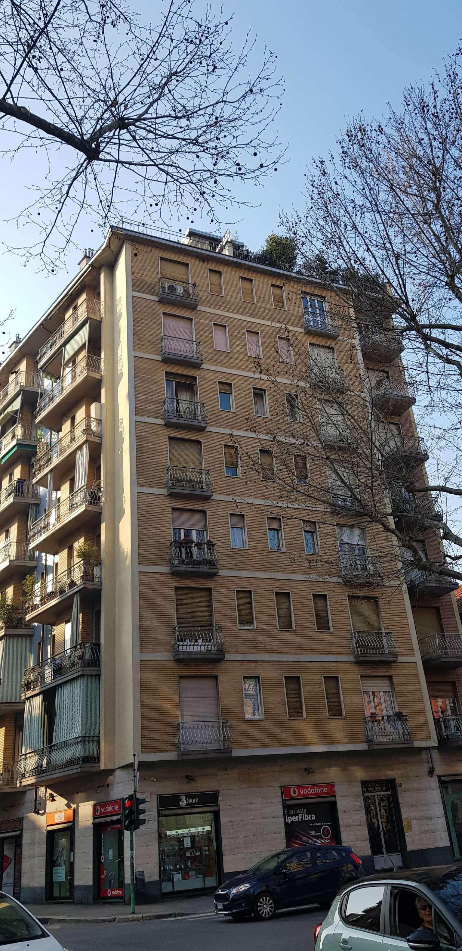 Vendita - Appartamento - Torino - MONTE GRAPPA COMODO METRO TRILOCALE PIANO ALTO ? 125.000