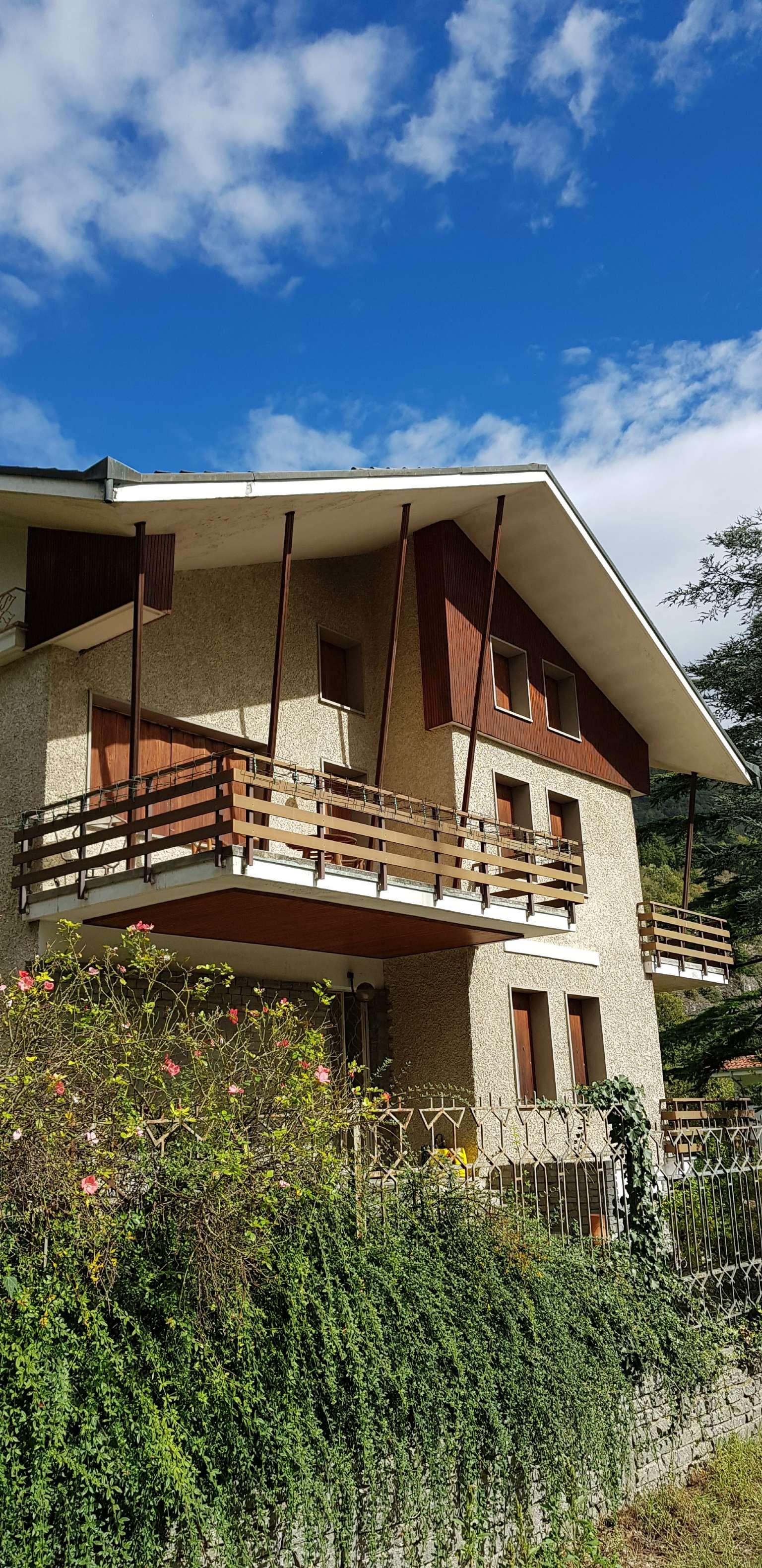 Vendita - Casa indipendente - Bussoleno - VILLA BI - TRIFAMILIARE CON GIARDINO MQ.1.300 ? 280.000