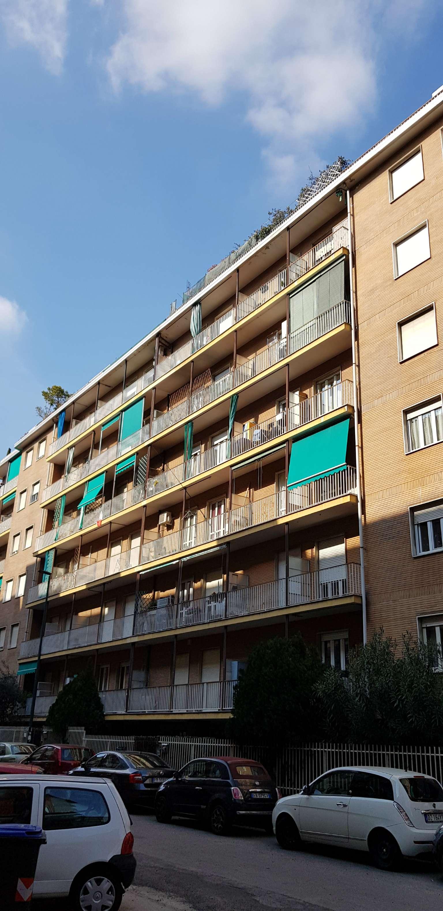 Vendita - Appartamento - Torino - SPAZIOSO E COMODO PERTUTTI I SERVIZI