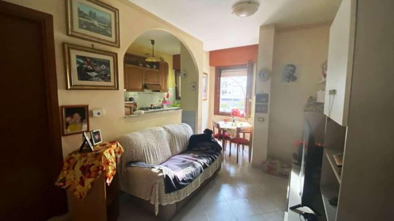 Appartamento in vendita a Roma, 2 locali, zona Zona: 39 . Lido di Ostia, Ostia, Castel Fusano, Torre Paterno, prezzo € 129.000 | CambioCasa.it