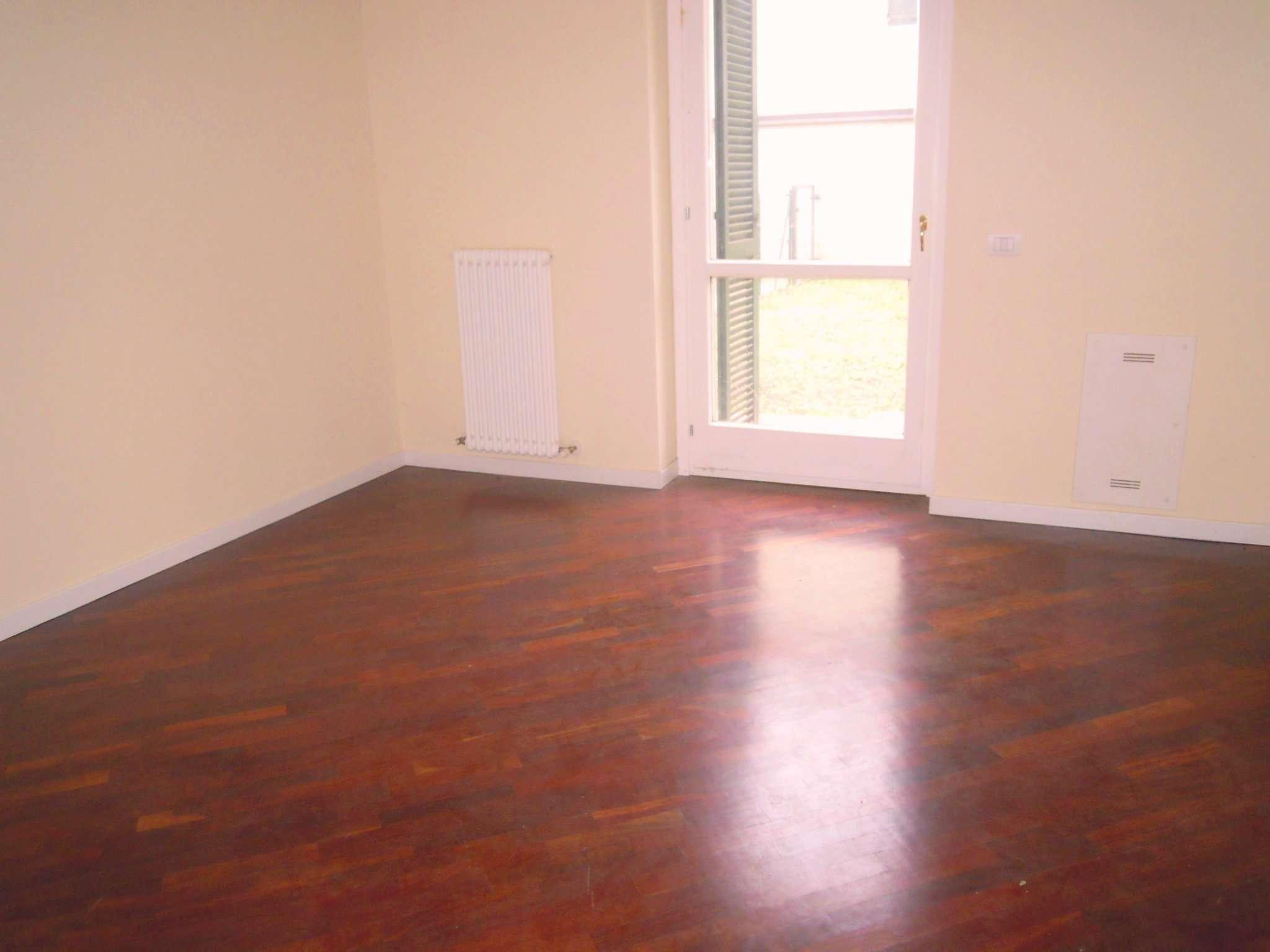 Appartamento in buone condizioni in vendita Rif. 9125318