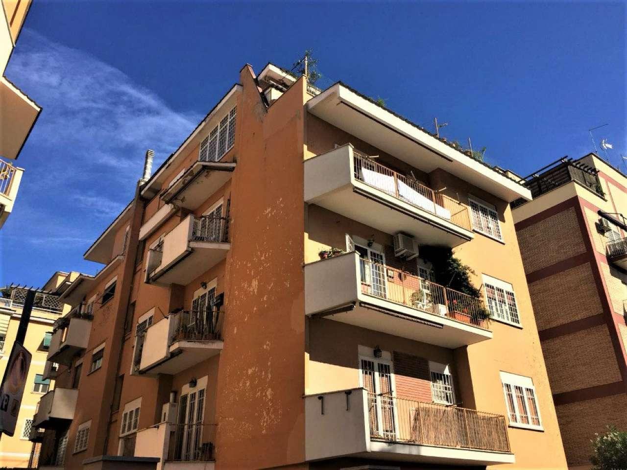 Appartamento in vendita a Roma, 2 locali, zona Zona: 19 . Colombo, Garbatella, Navigatori, Omboni, prezzo € 227.000 | CambioCasa.it