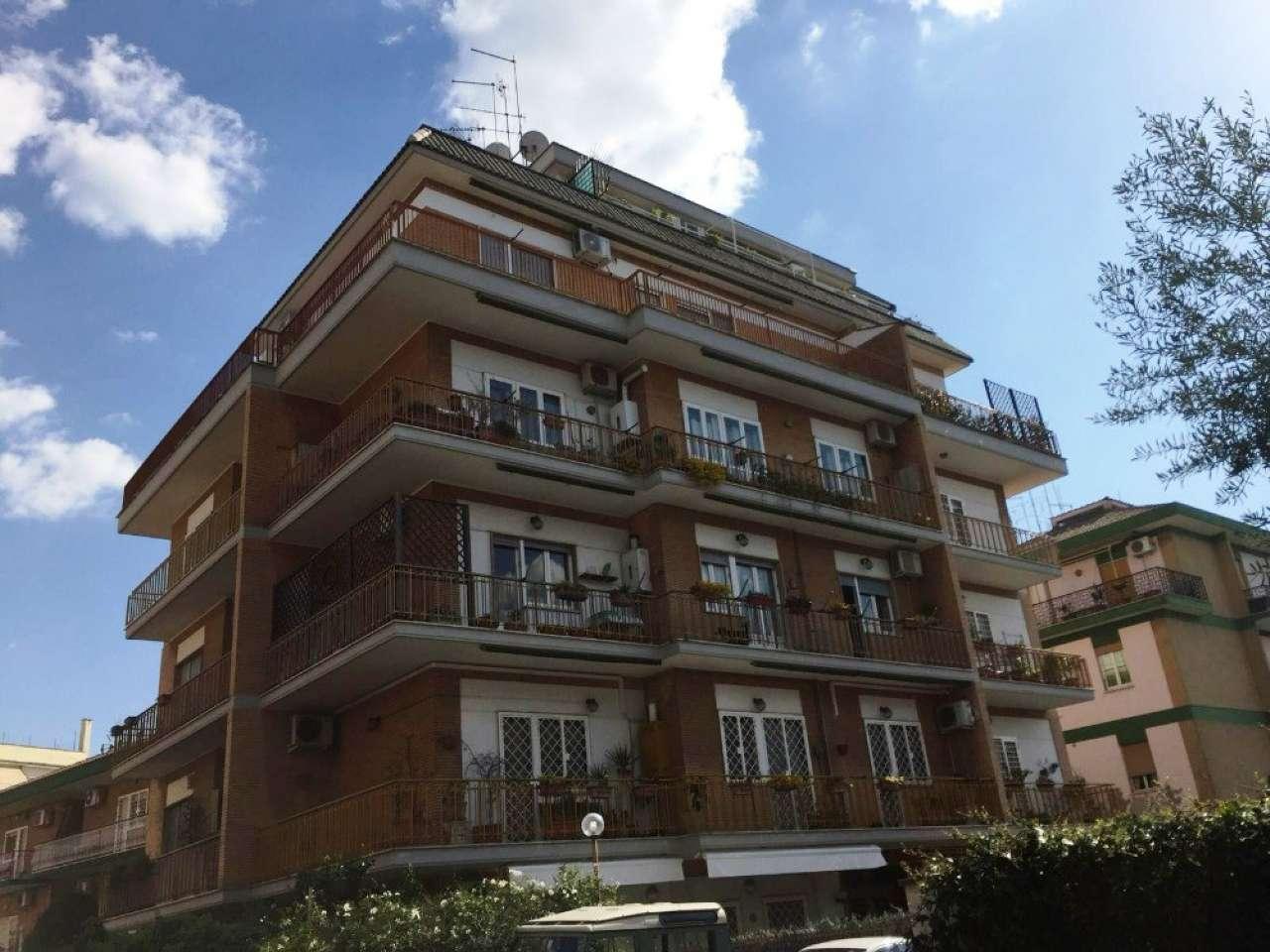 Appartamento in vendita a Roma, 2 locali, zona Zona: 28 . Torrevecchia - Pineta Sacchetti - Ottavia, prezzo € 209.000 | CambioCasa.it