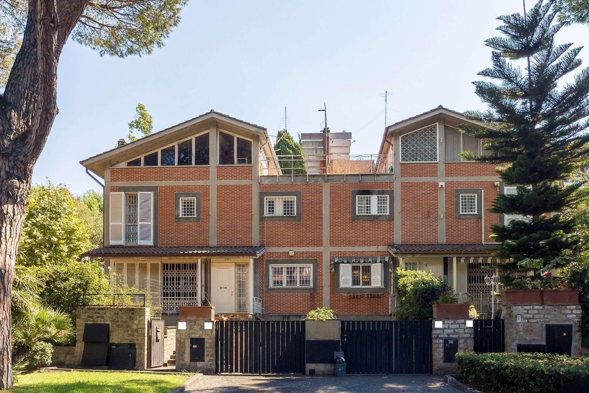 Villa Bifamiliare in vendita a Roma, 9 locali, zona Zona: 38 . Acilia, Vitinia, Infernetto, Axa, Casal Palocco, Madonnetta, prezzo € 830.000 | CambioCasa.it