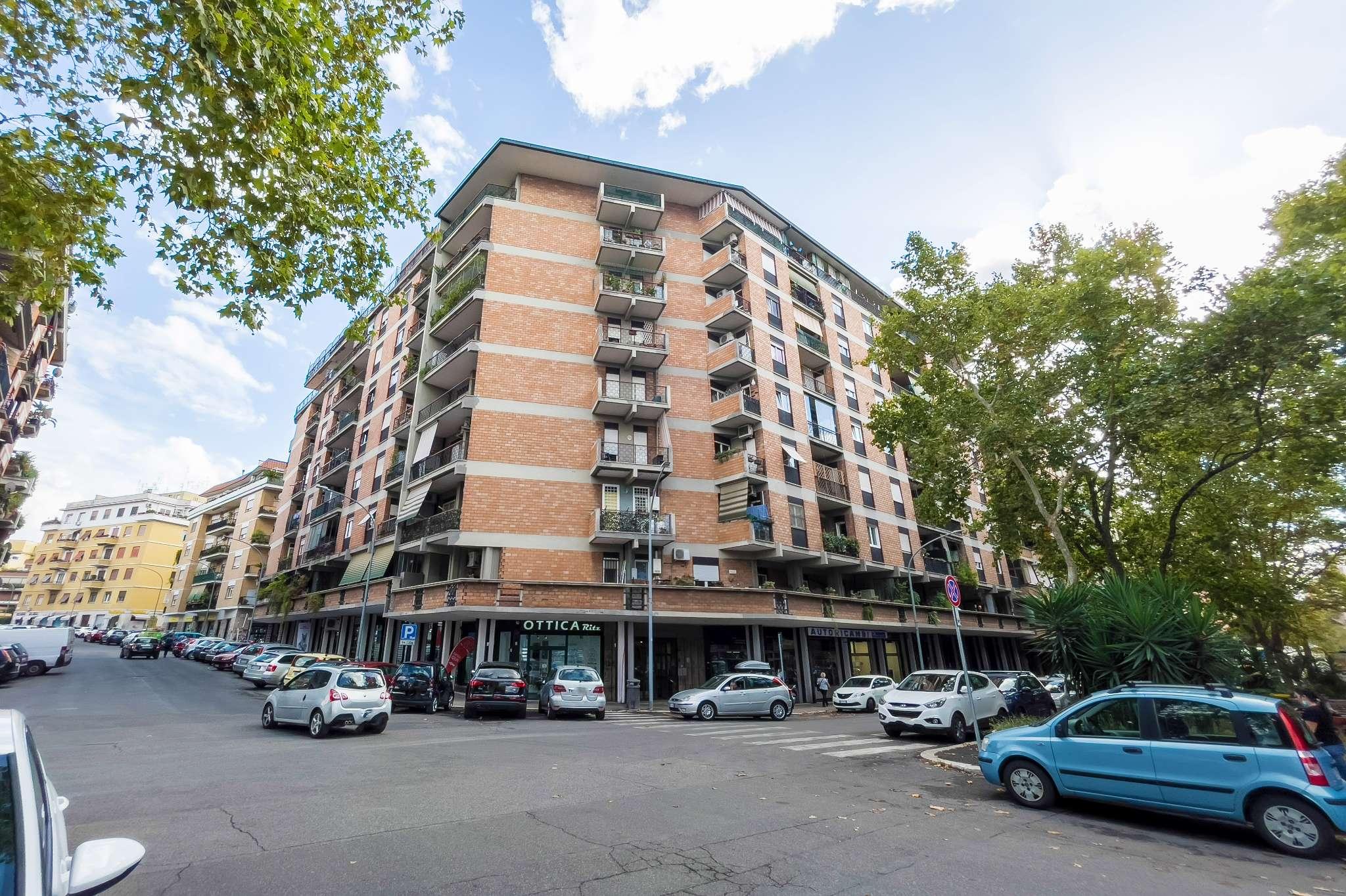 Appartamento in vendita a Roma, 3 locali, zona Zona: 16 . Appia nuova - Alberone - Colli Albani, prezzo € 338.000 | CambioCasa.it