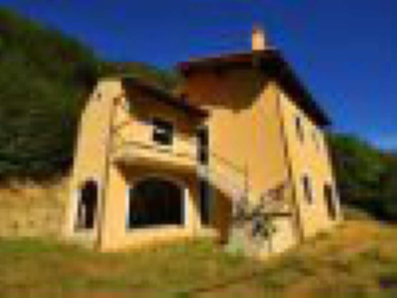 Soluzione Indipendente in vendita a Magliolo, 7 locali, prezzo € 150.000 | CambioCasa.it
