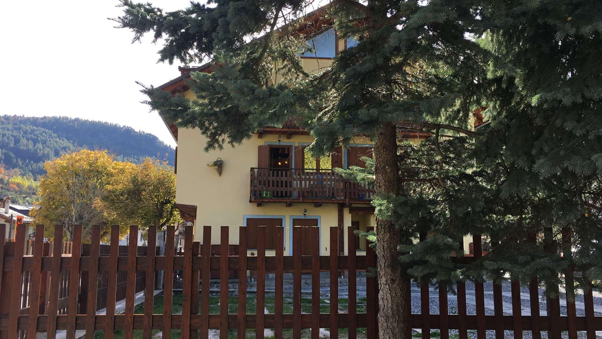 Appartamento in ottime condizioni arredato in vendita Rif. 8357180