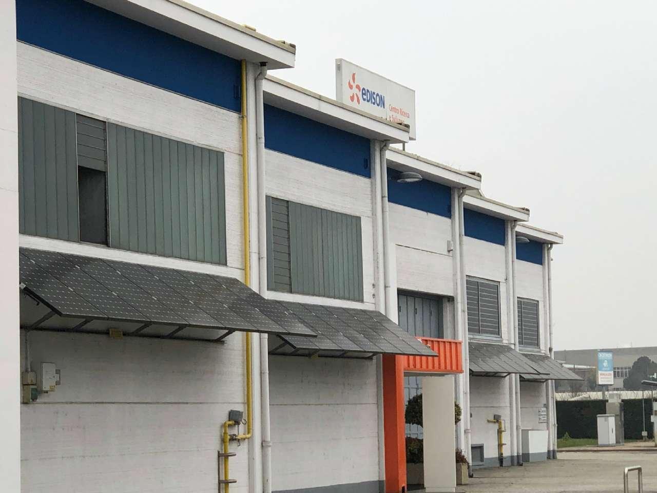 Capannone in affitto a Trofarello, 20 locali, prezzo € 9.000 | CambioCasa.it