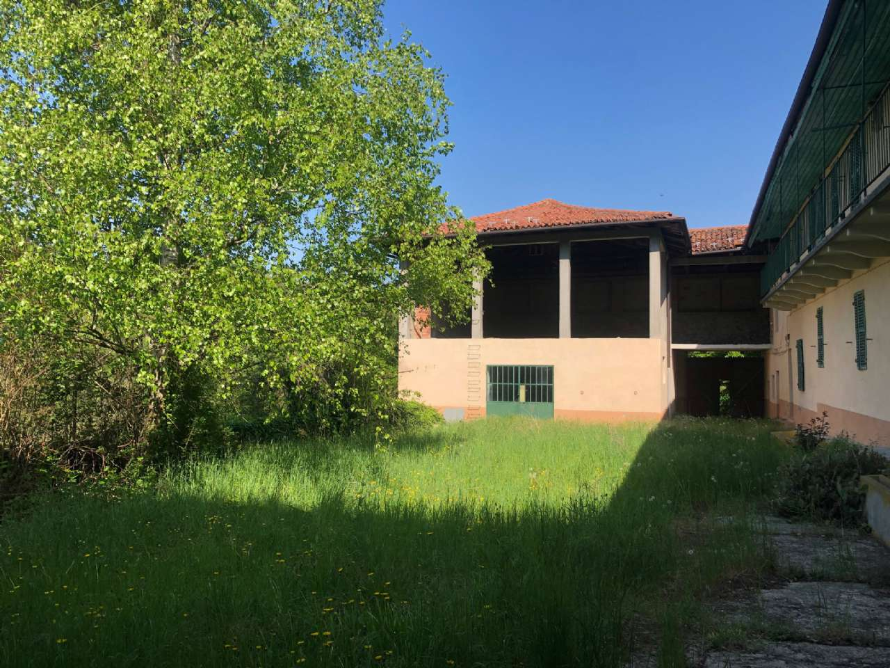 Rustico / Casale in vendita a Rivalba, 30 locali, prezzo € 420.000   CambioCasa.it