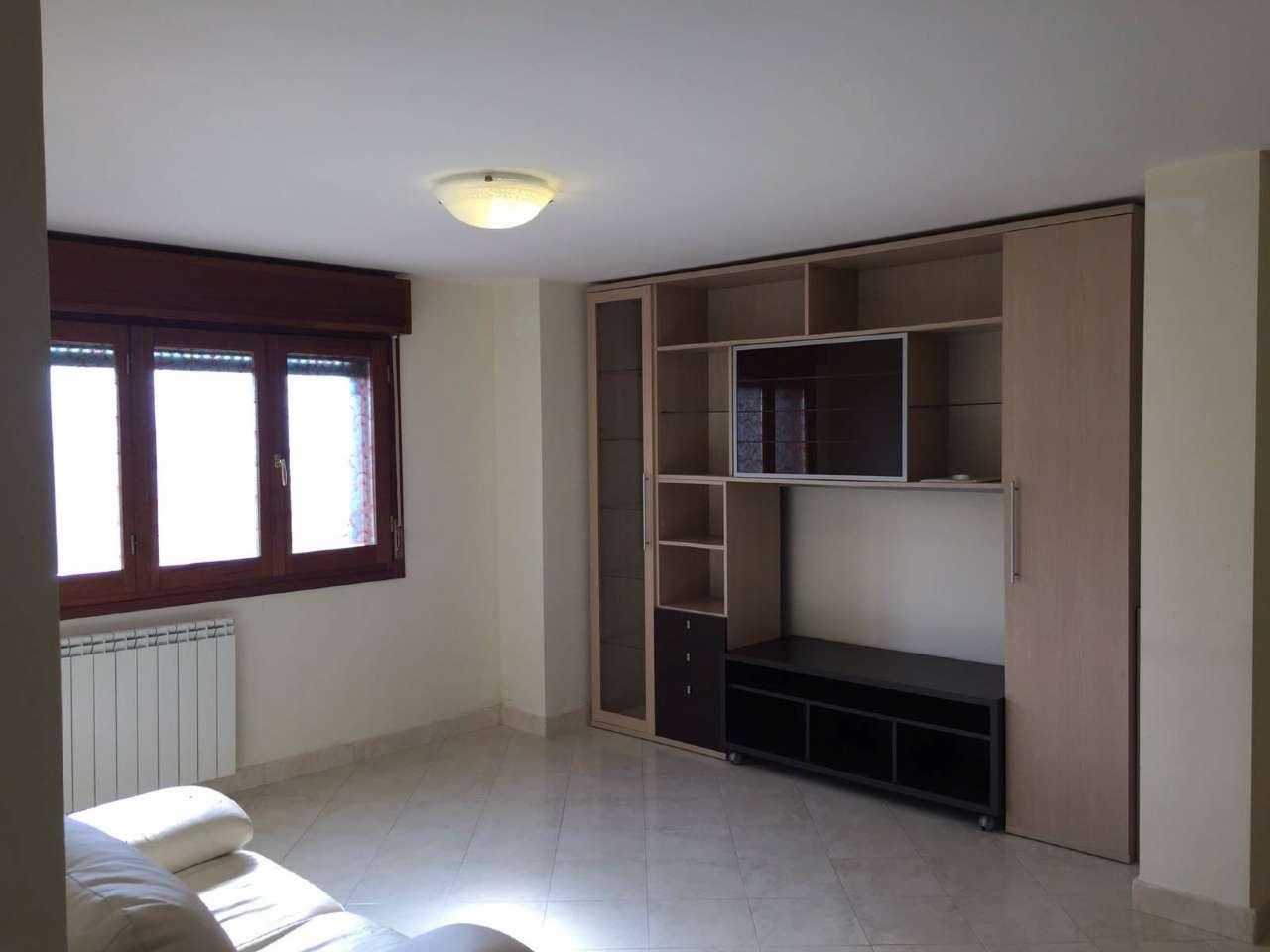 Appartamento ristrutturato arredato in affitto Rif. 8085702
