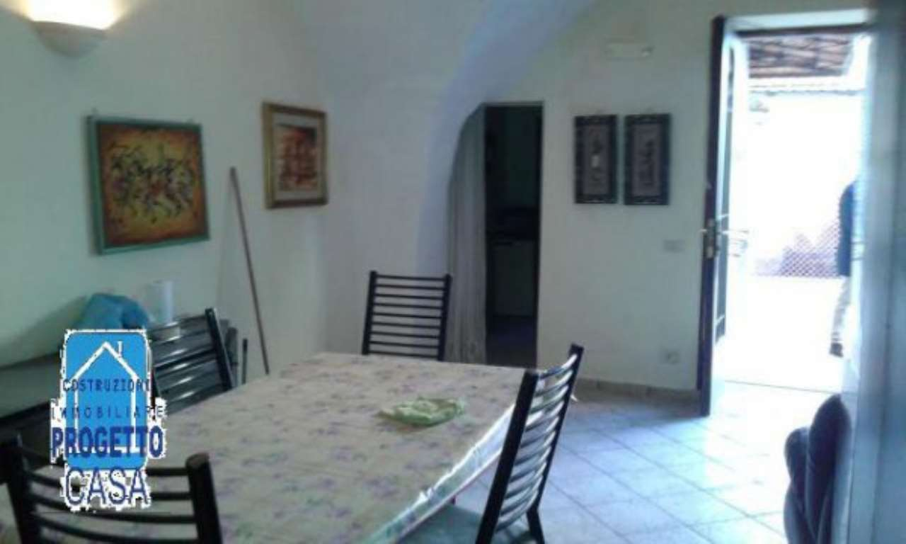 Appartamento in buone condizioni arredato in affitto Rif. 7174471