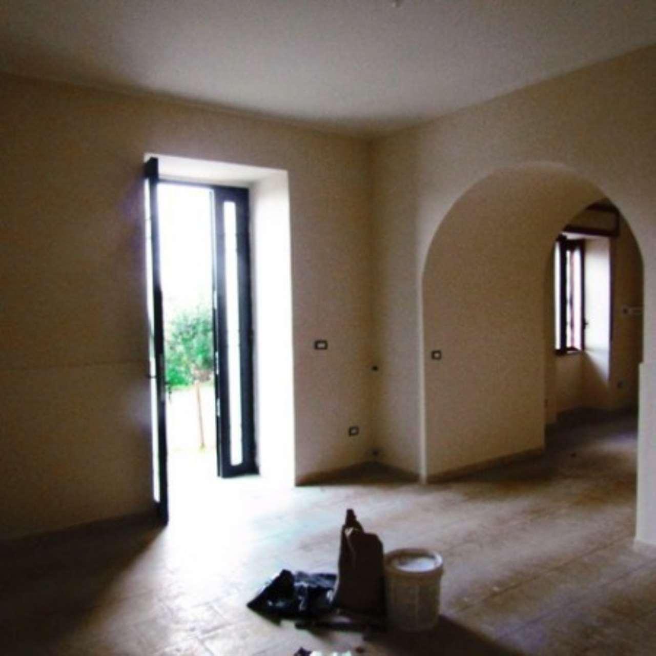 Appartamento in ottime condizioni in affitto Rif. 4997649