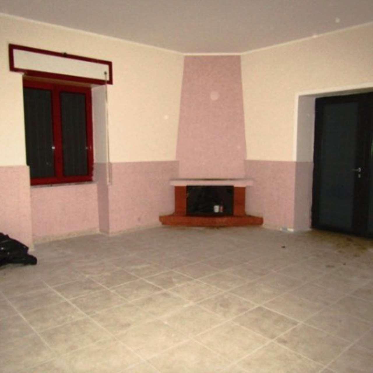Appartamento in ottime condizioni in affitto Rif. 4997650
