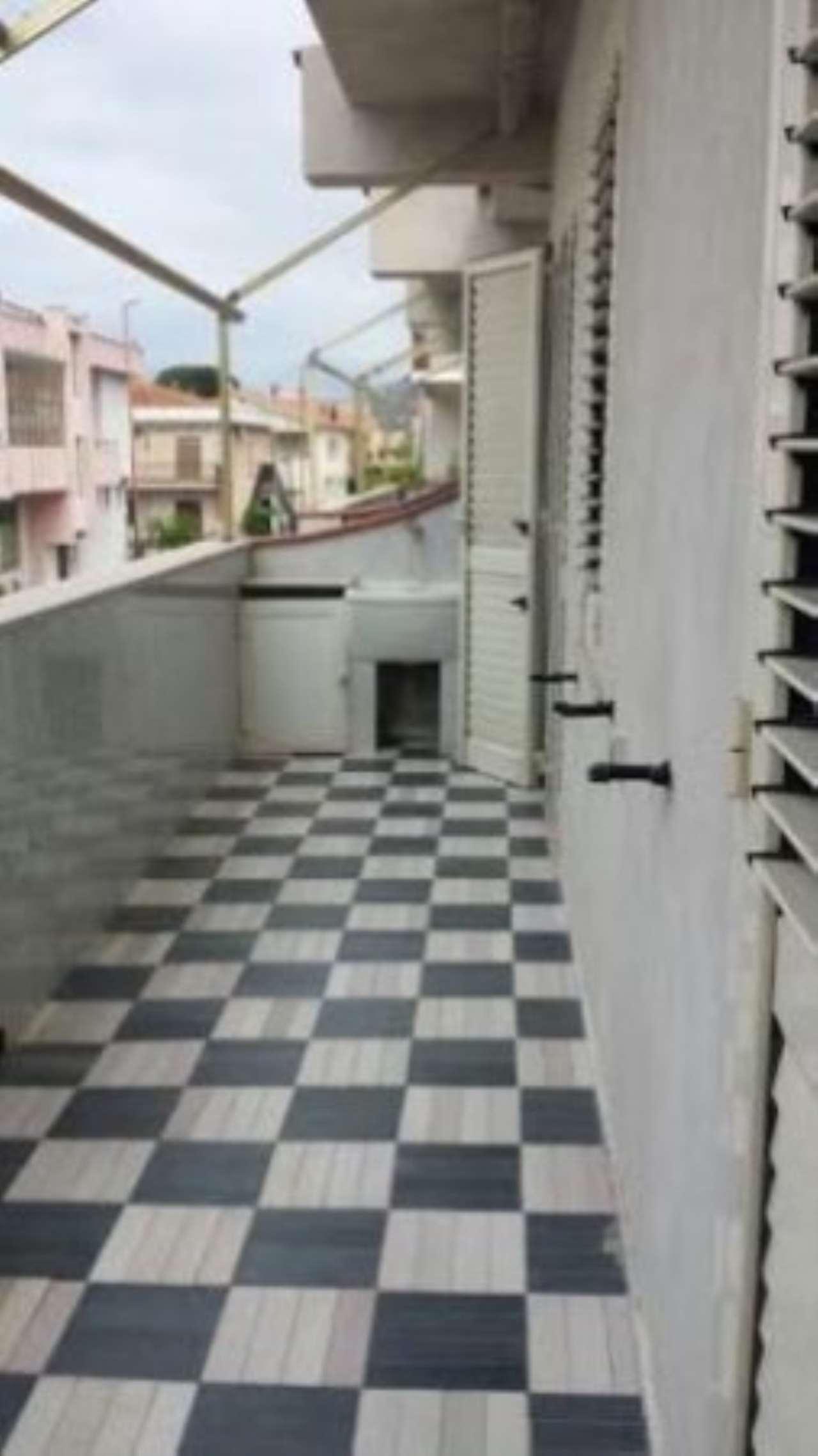 Appartamento in buone condizioni in vendita Rif. 4997545