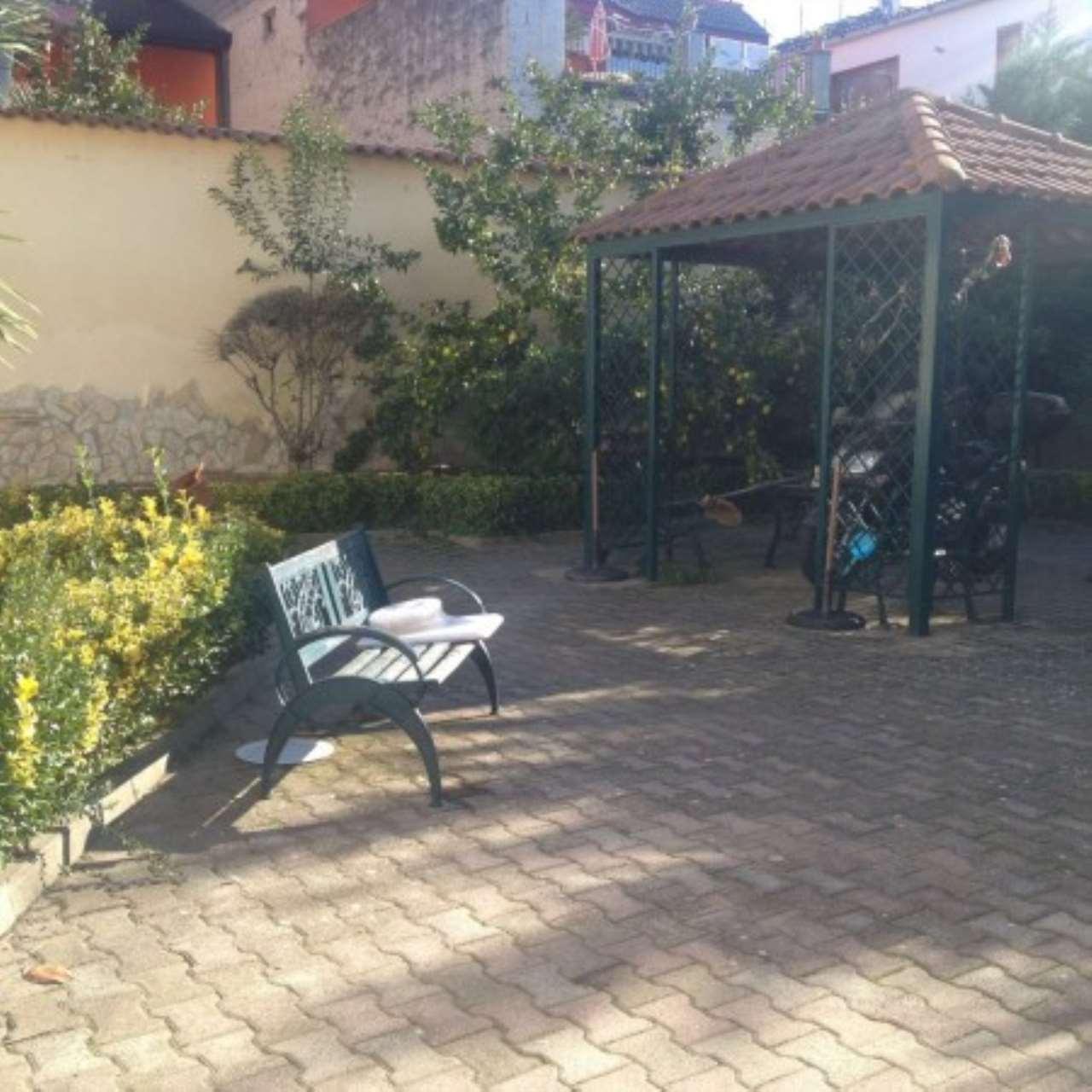 Villa in buone condizioni parzialmente arredato in vendita Rif. 4997550