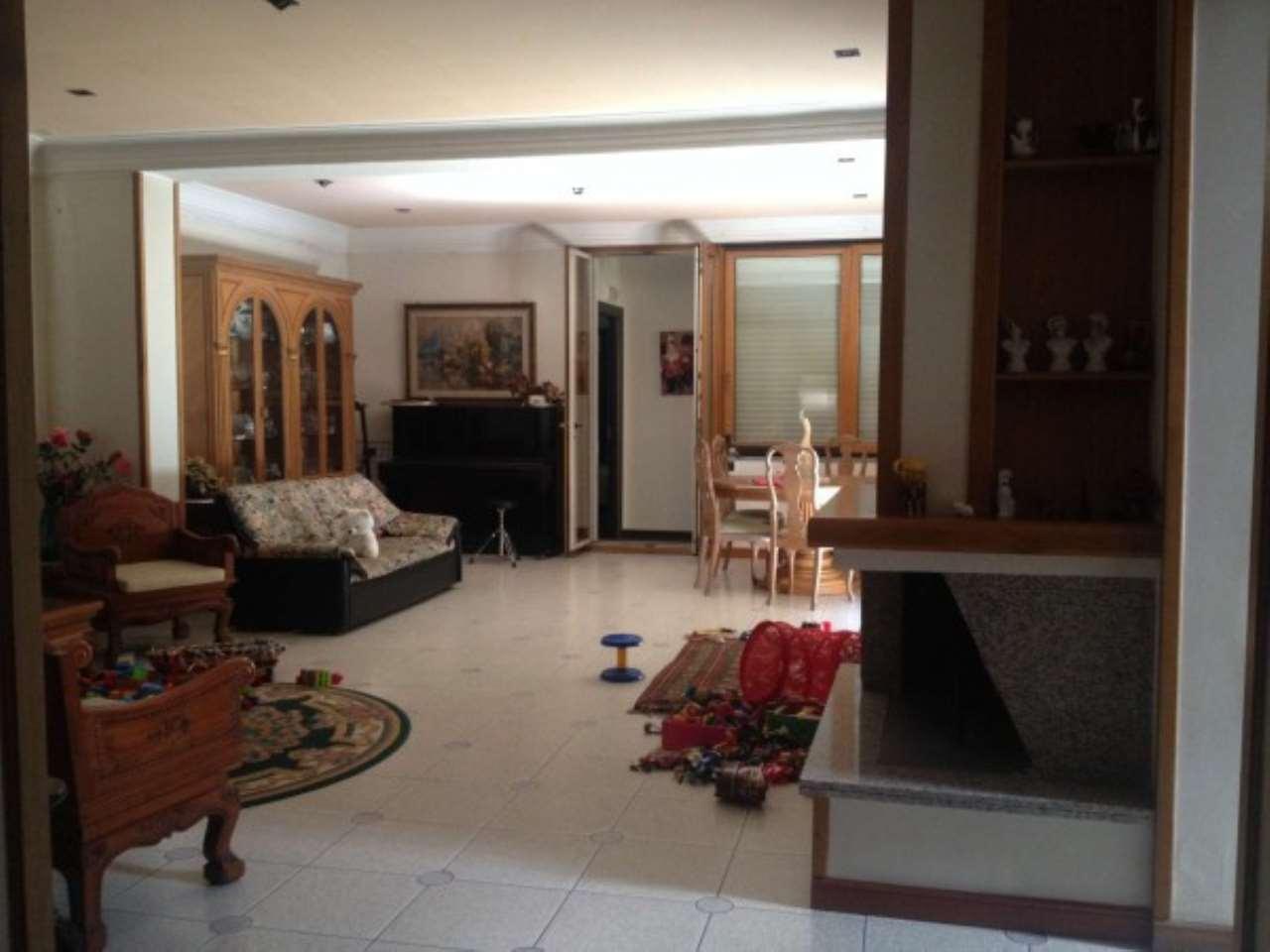 Villa in buone condizioni parzialmente arredato in vendita Rif. 4997560