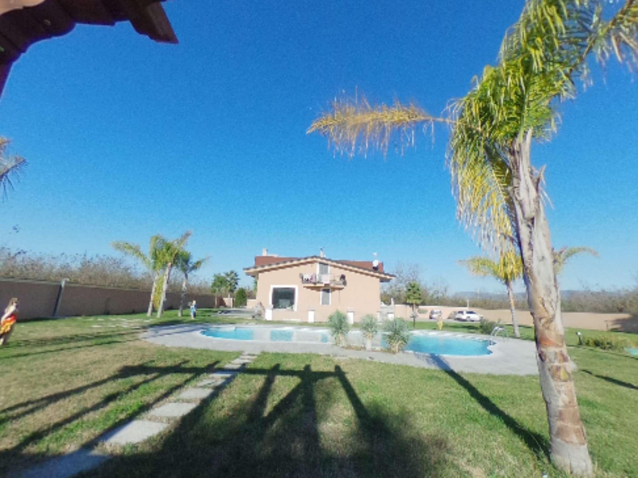 Villa parzialmente arredato in vendita Rif. 4997837