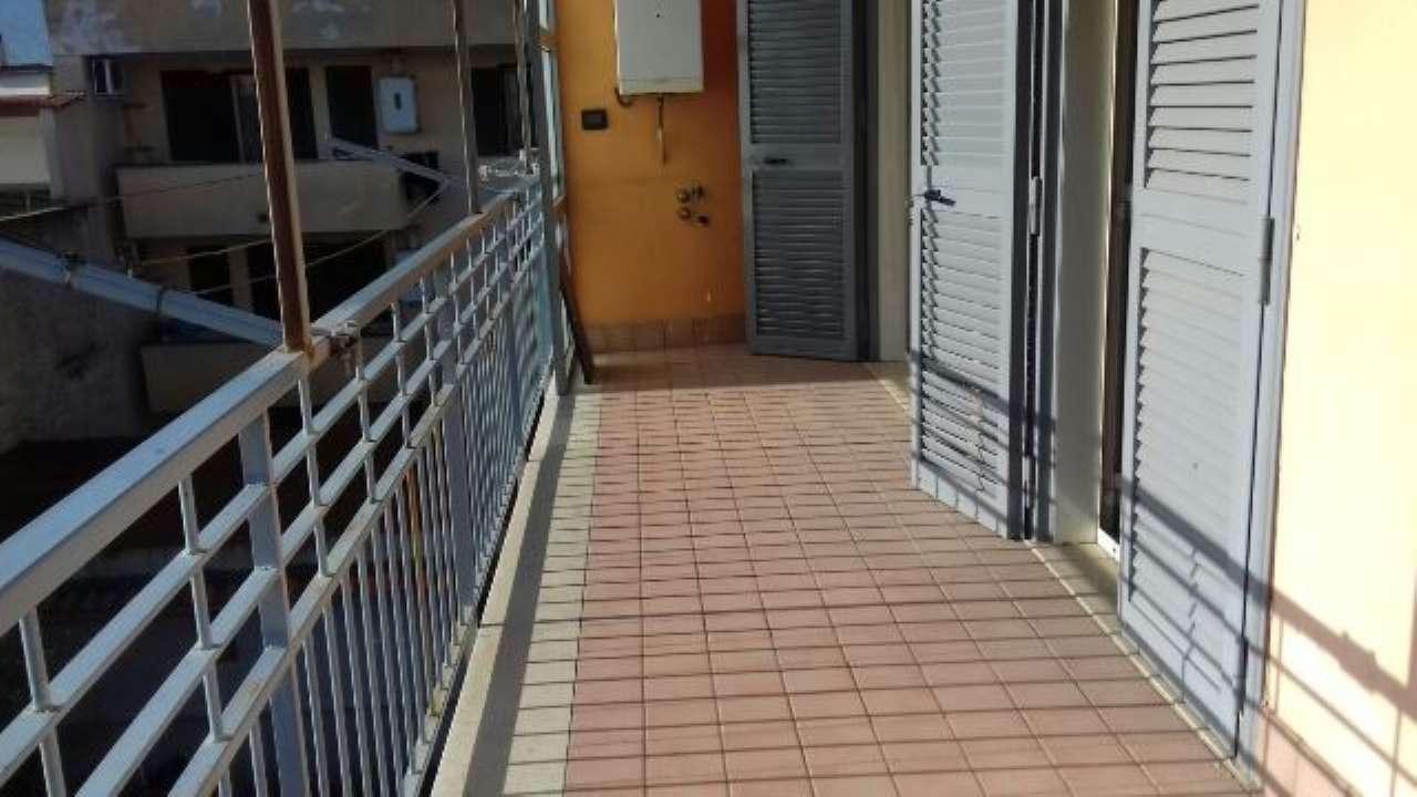 Appartamento in buone condizioni in affitto Rif. 5413977