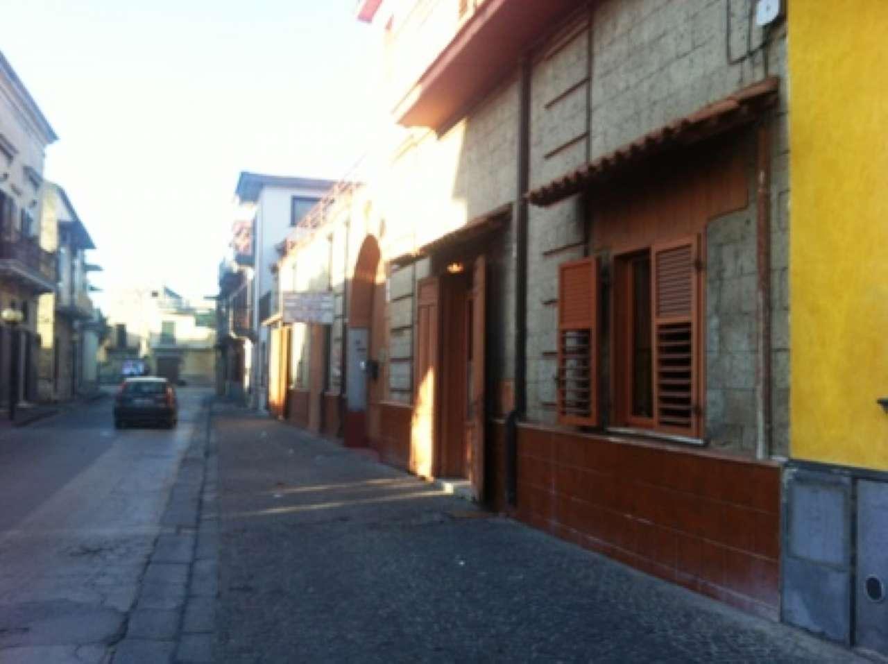 Appartamento in buone condizioni parzialmente arredato in affitto Rif. 5413978