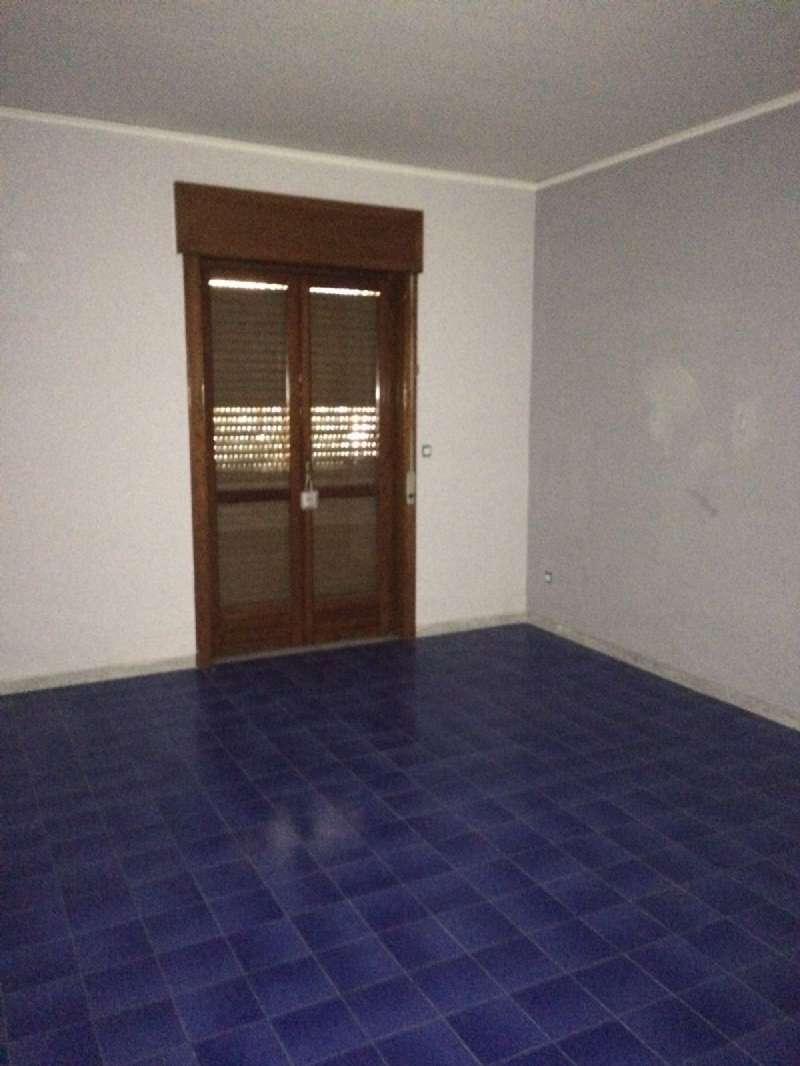Appartamento in buone condizioni in affitto Rif. 8646636