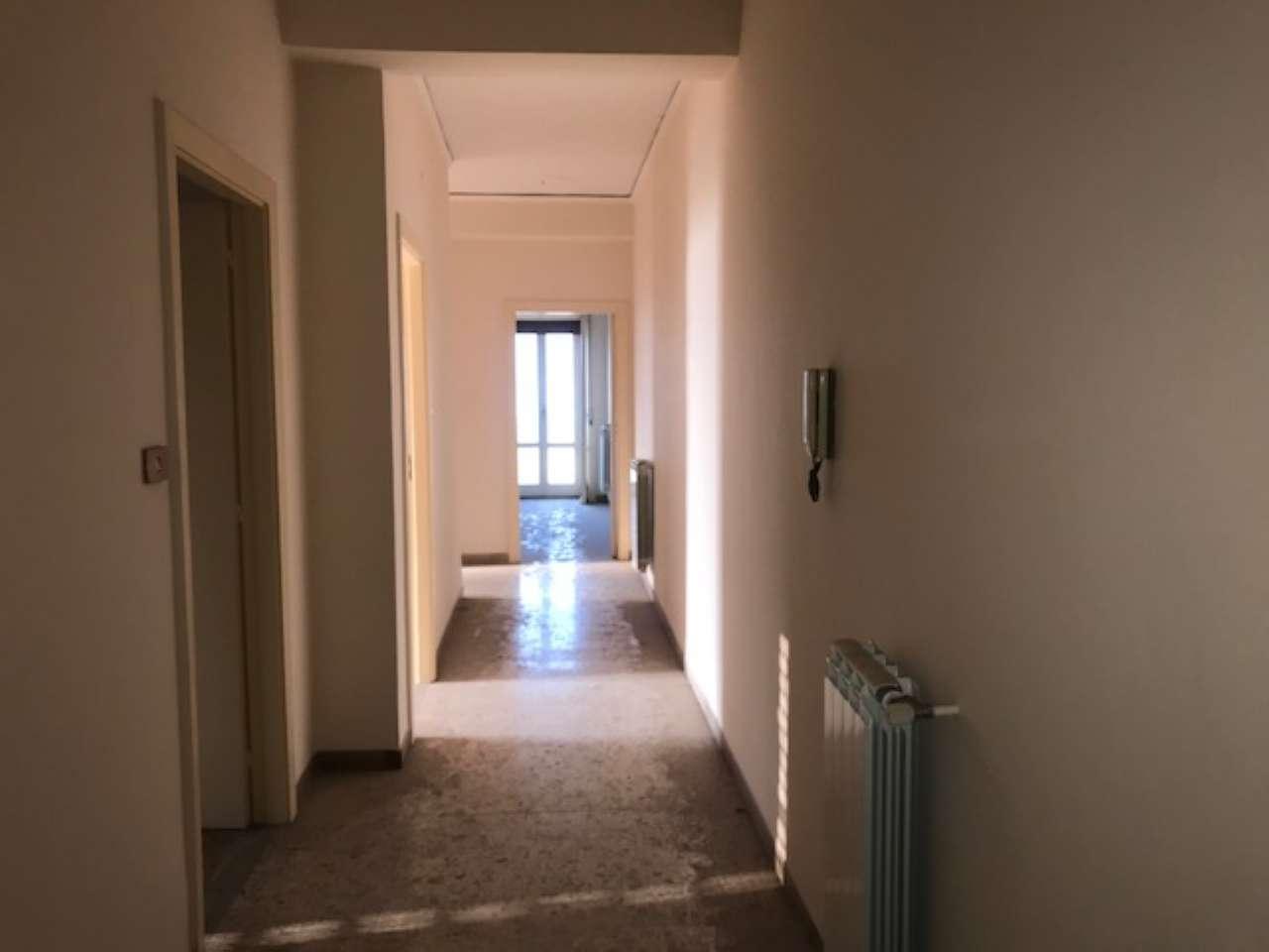 Appartamento in buone condizioni in vendita Rif. 7475009