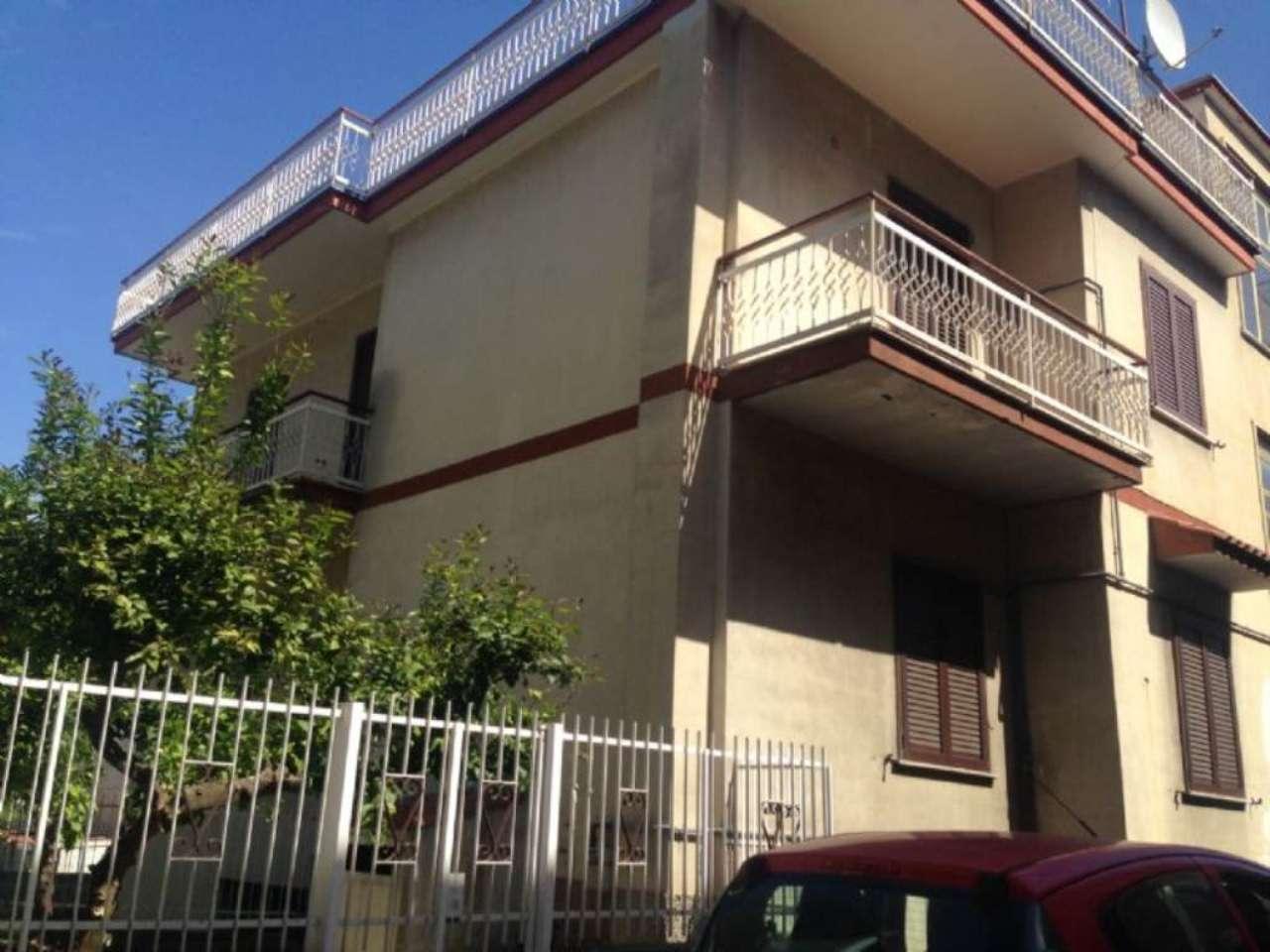 Appartamento in piccolo stabile con giardino privato in vendita a Cicciano