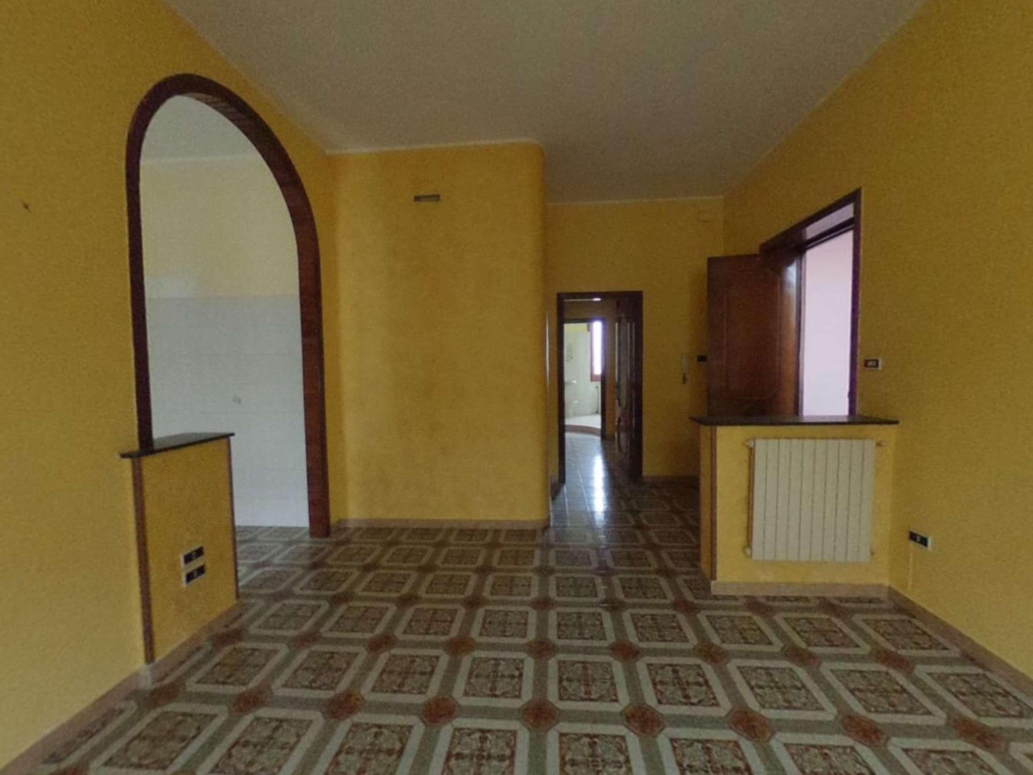 Appartamento con balconi e posto auto in vendita a Cicciano