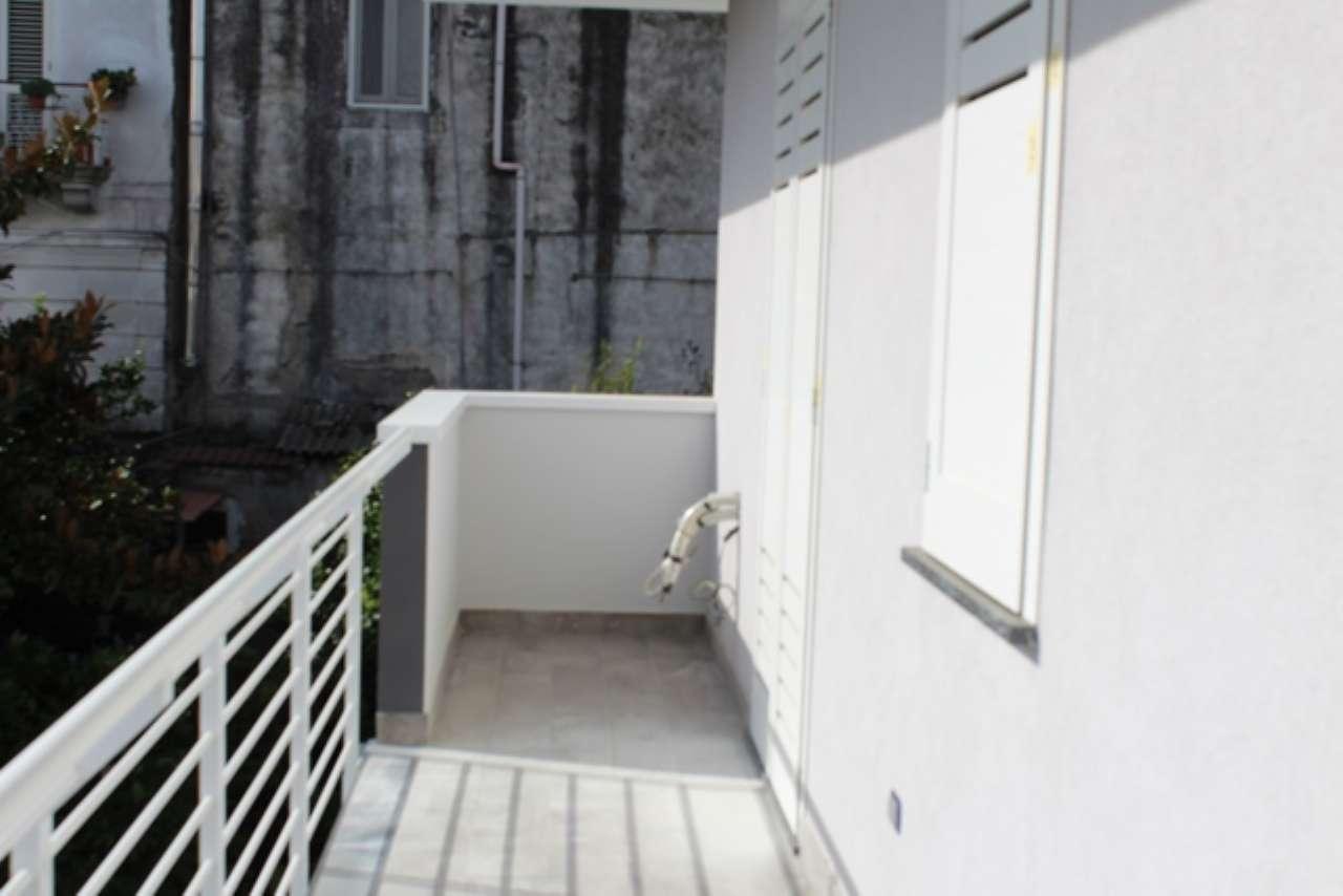 Appartamento in buone condizioni in affitto Rif. 8157460