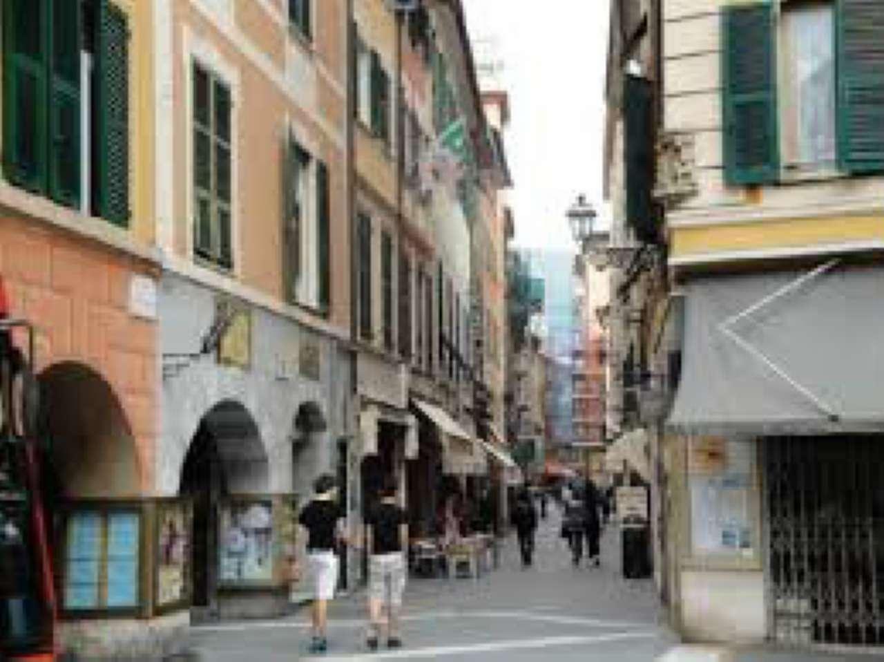 Ristorante / Pizzeria / Trattoria in vendita a Rapallo, 9999 locali, prezzo € 1.000   CambioCasa.it