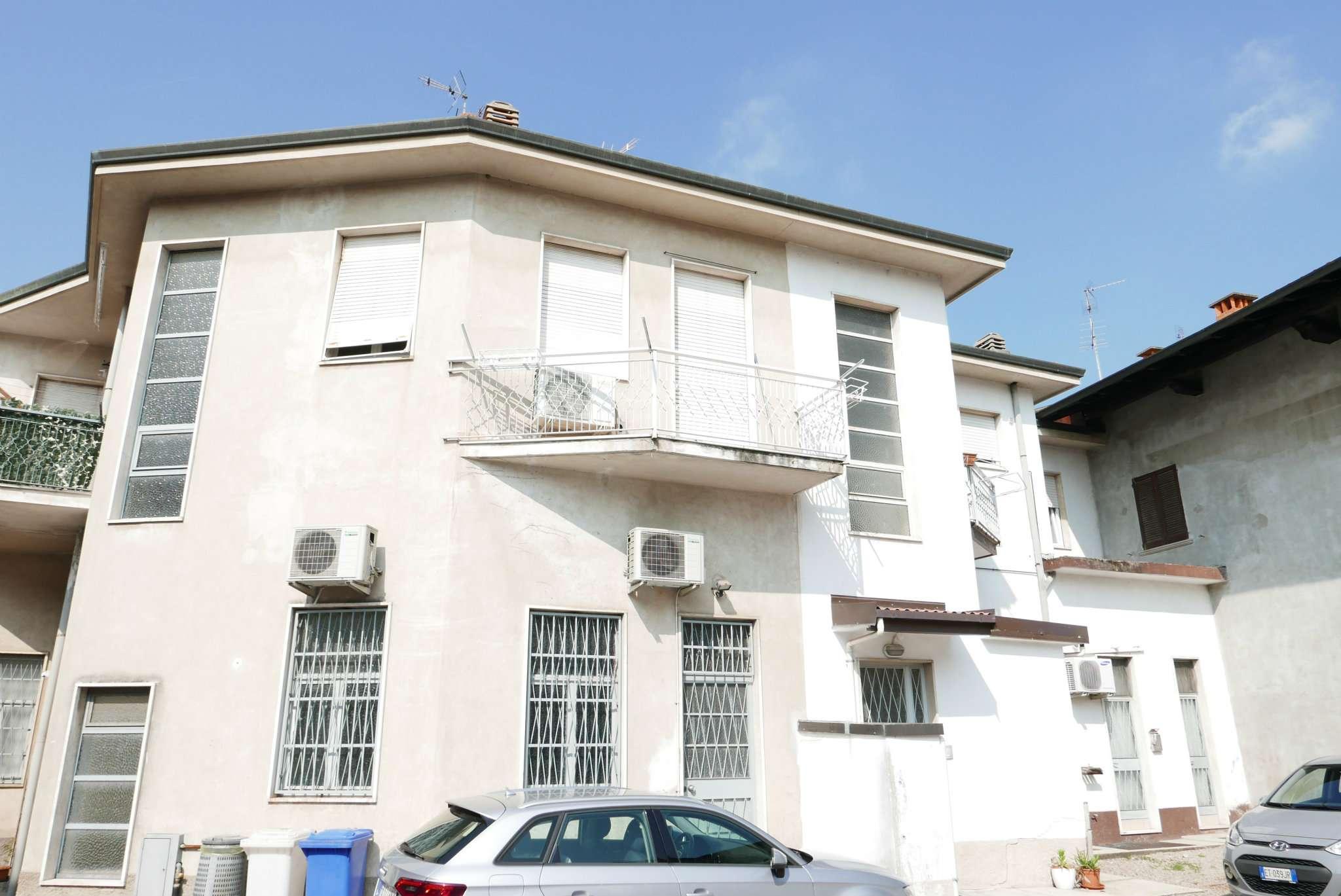Appartamento ristrutturato in affitto Rif. 7375684